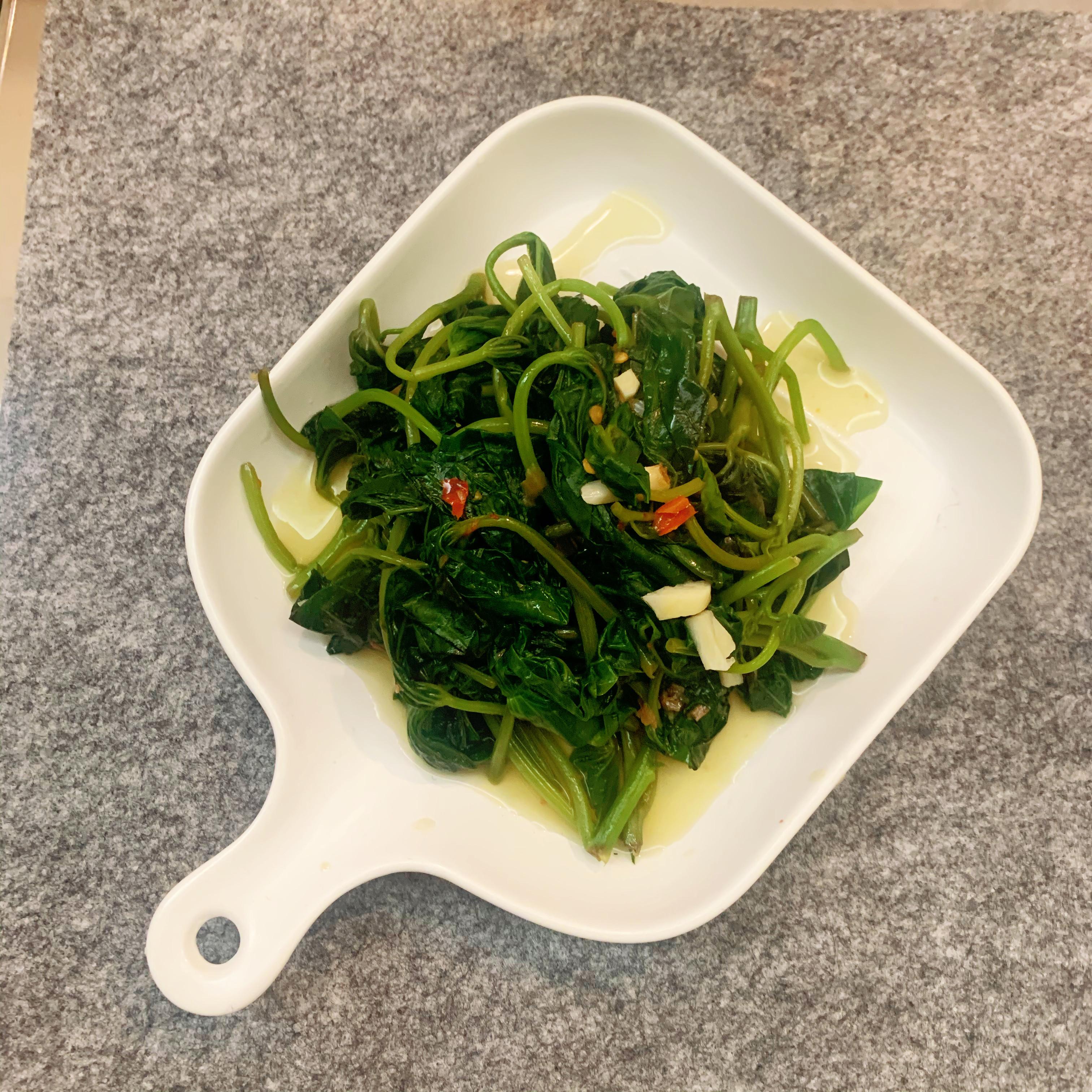 鵝油香䓤拌地瓜葉