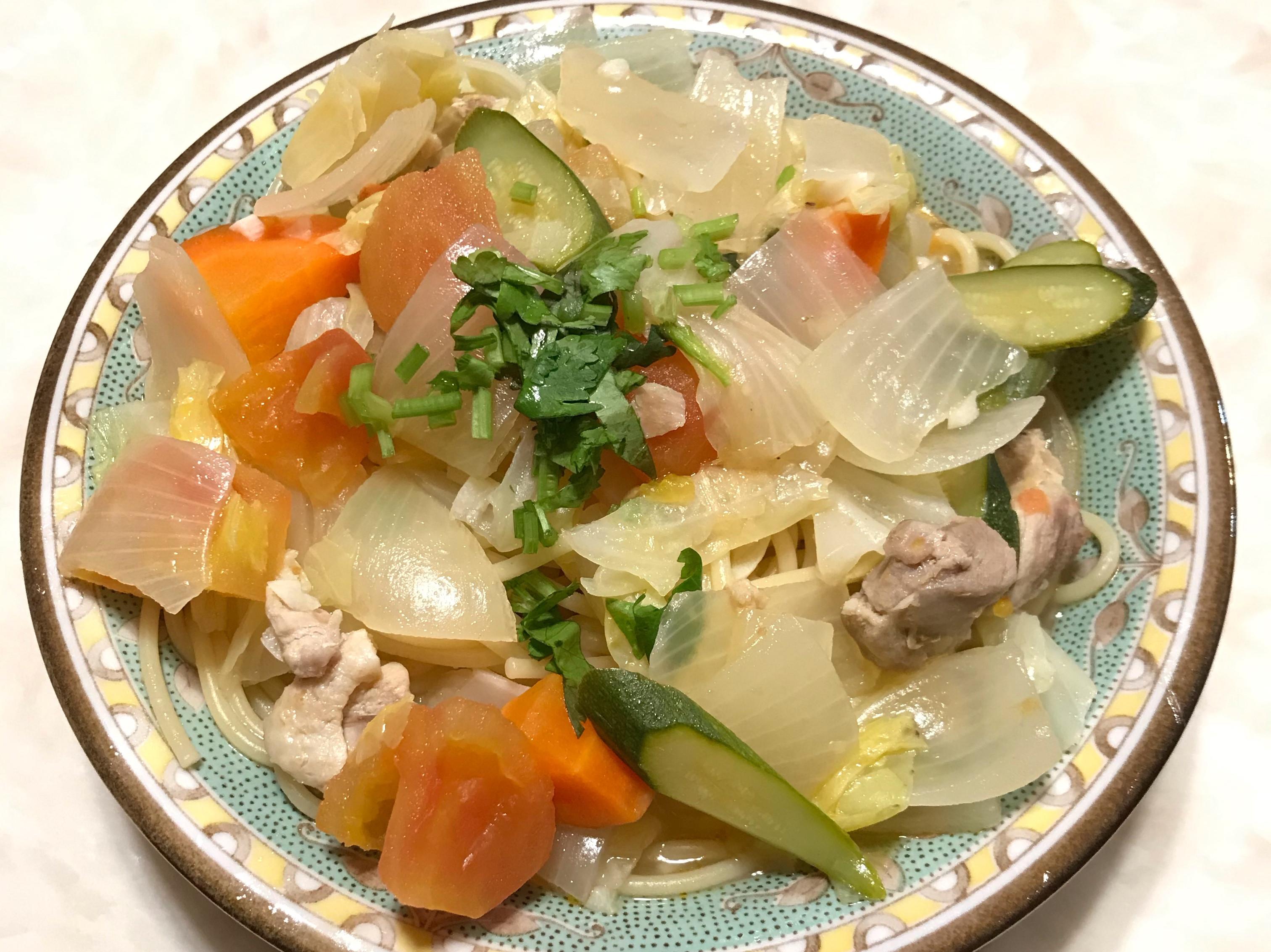 蔬菜燉雞肉義大利湯麵