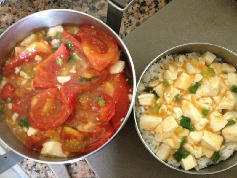 黑麻油味噌番茄燉豆腐