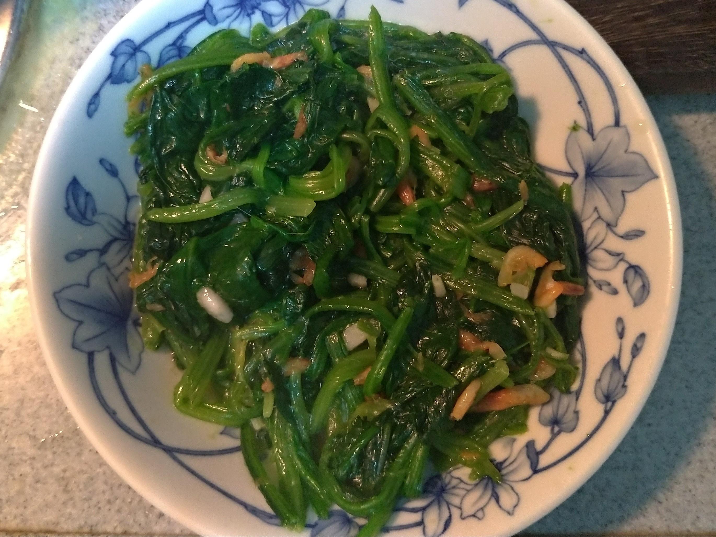 菠菜炒櫻花蝦