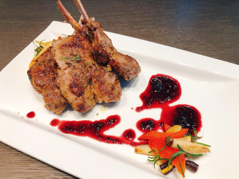 瑞典美食主題-香料羊排佐莓果醬