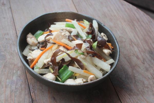 豆薯炒雞肉