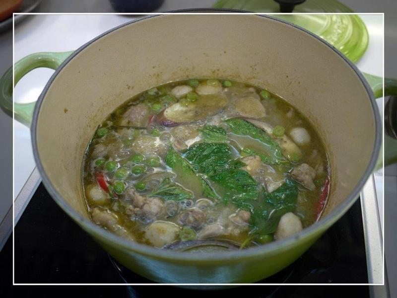 椰漿綠咖哩雞肉