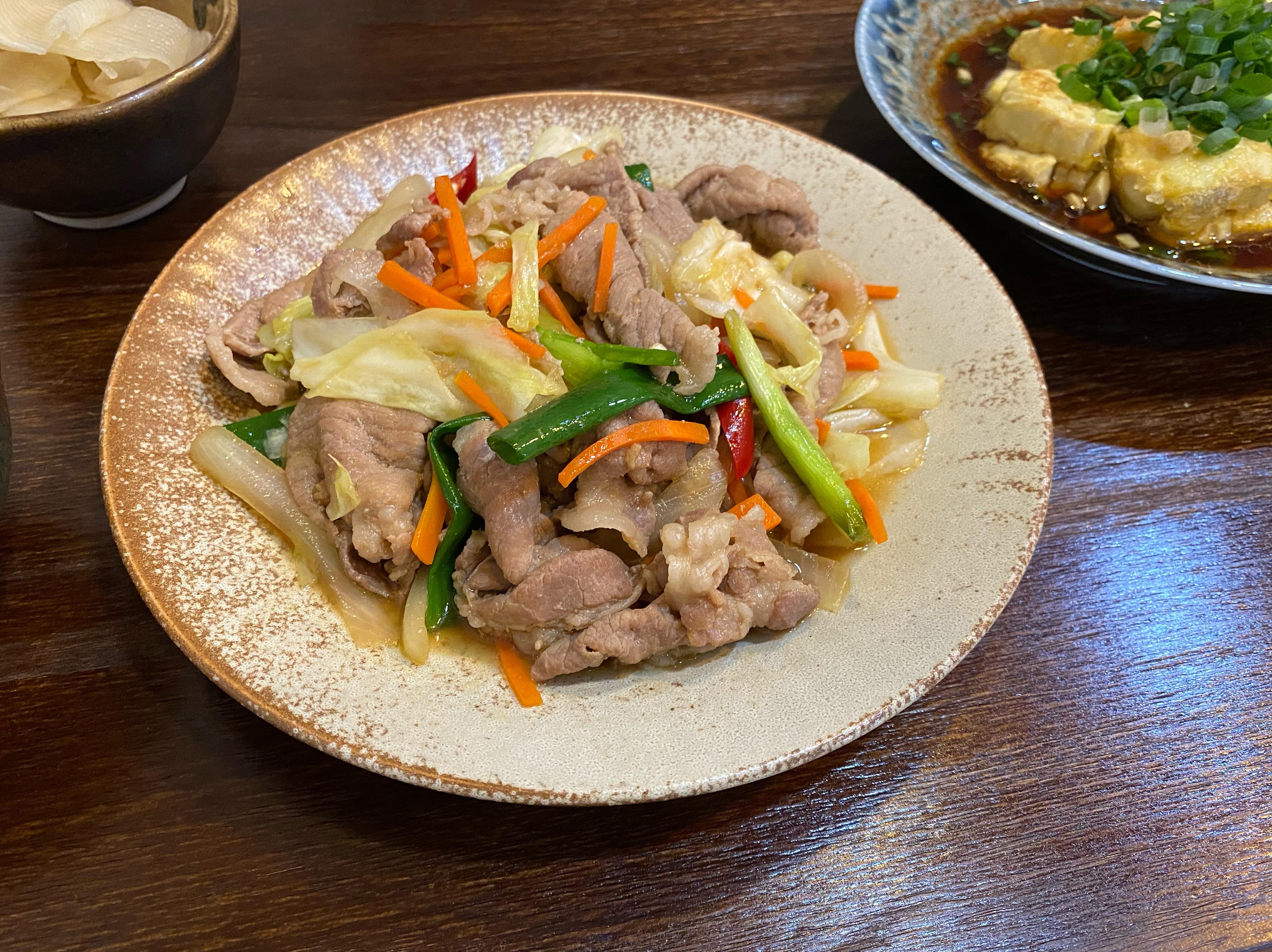 日式《薑燒豬肉定食》豚生姜の焼き定食