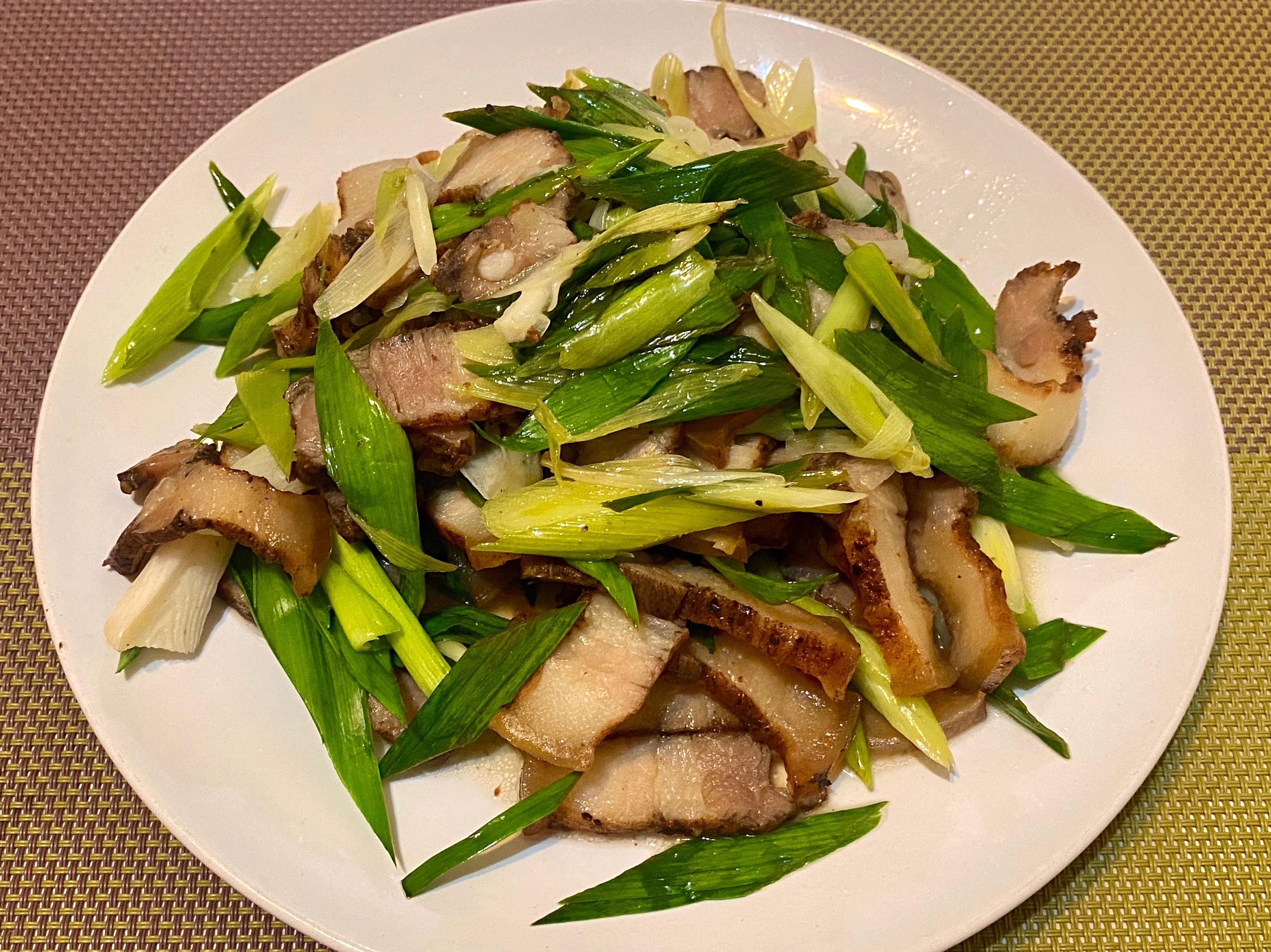 《料理簡單做》蒜苗炒鹹豬肉