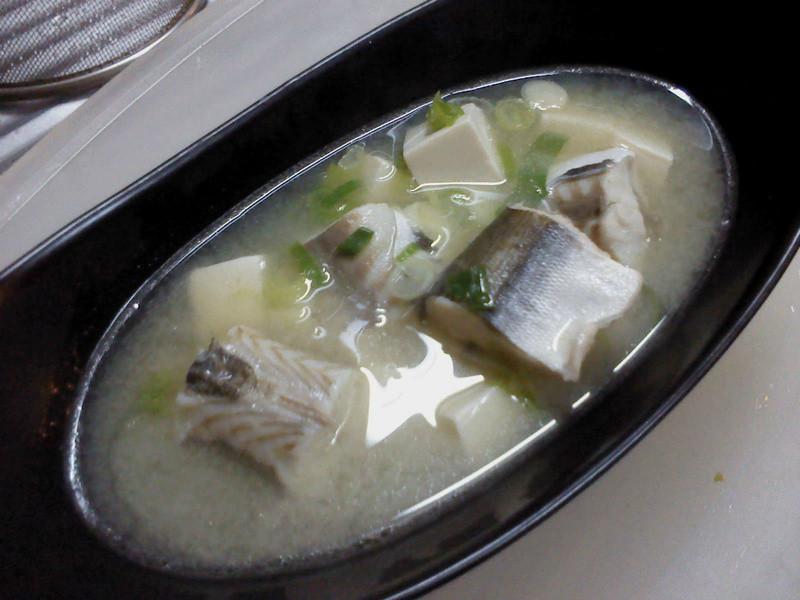 莎媽五心級料理~味噌豆腐鮮魚湯