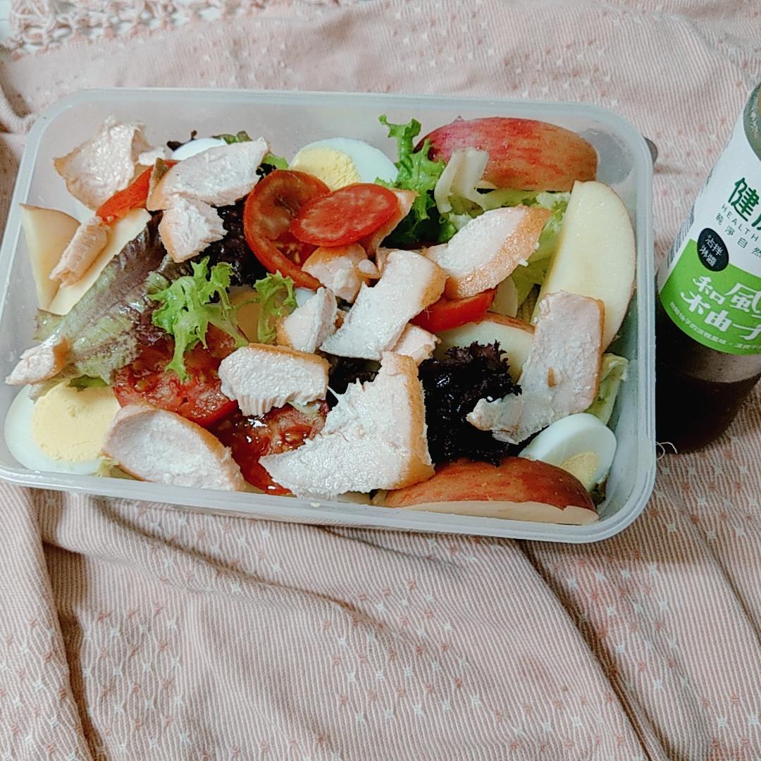 鮭魚生菜沙拉