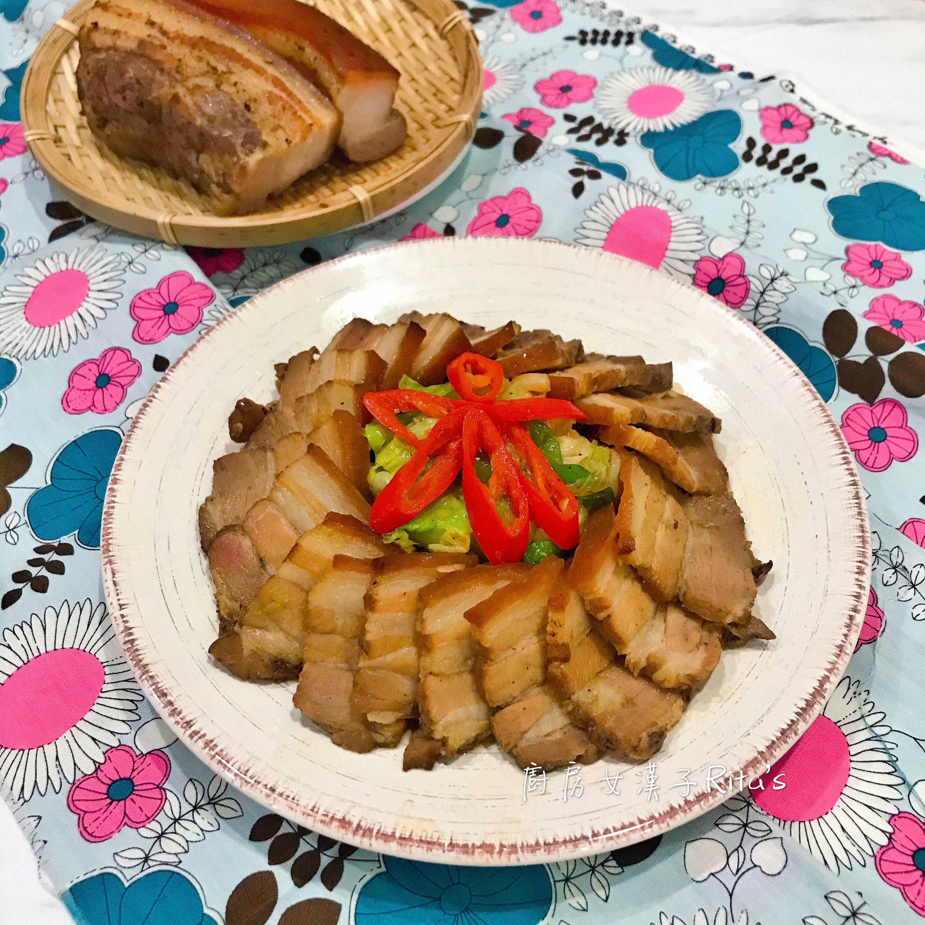 煙燻鹹豬肉炒高麗菜