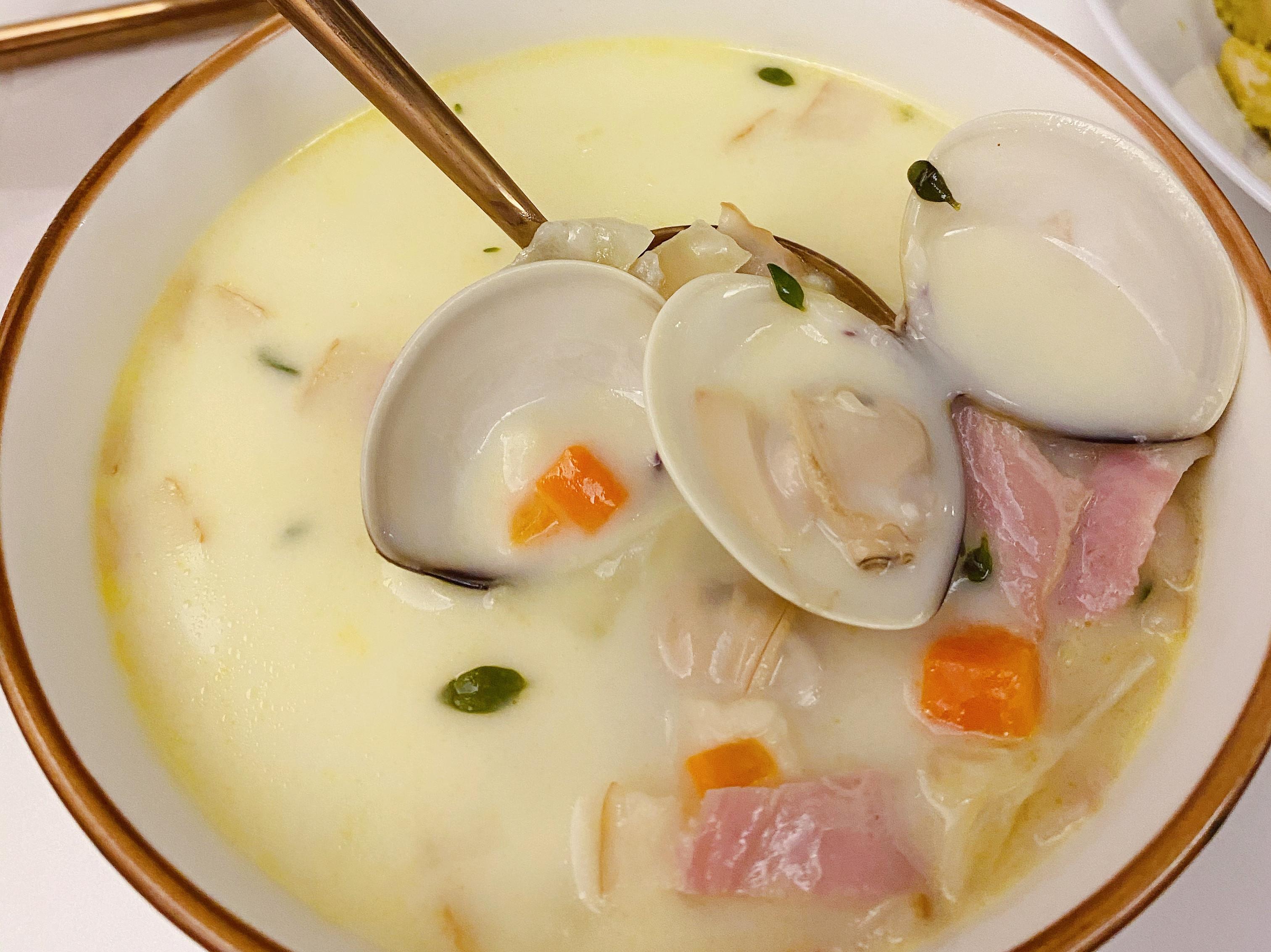 新英倫周打蜆湯(奶油蛤蜊濃湯)