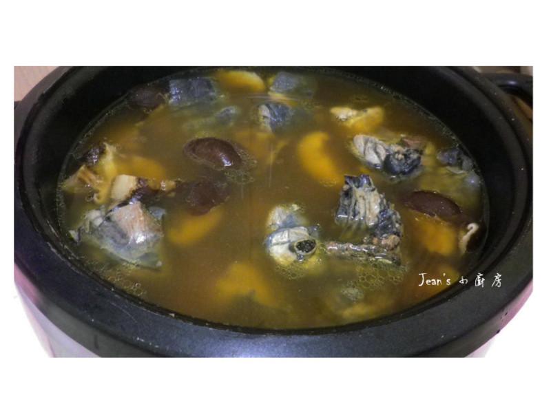 香菇烏骨雞湯