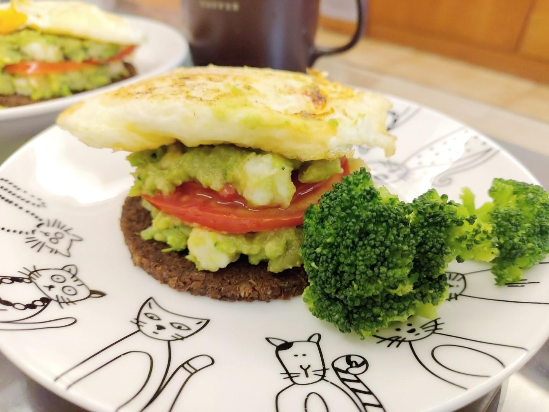 【早午餐2.0】低卡活力蝦酪漢堡排