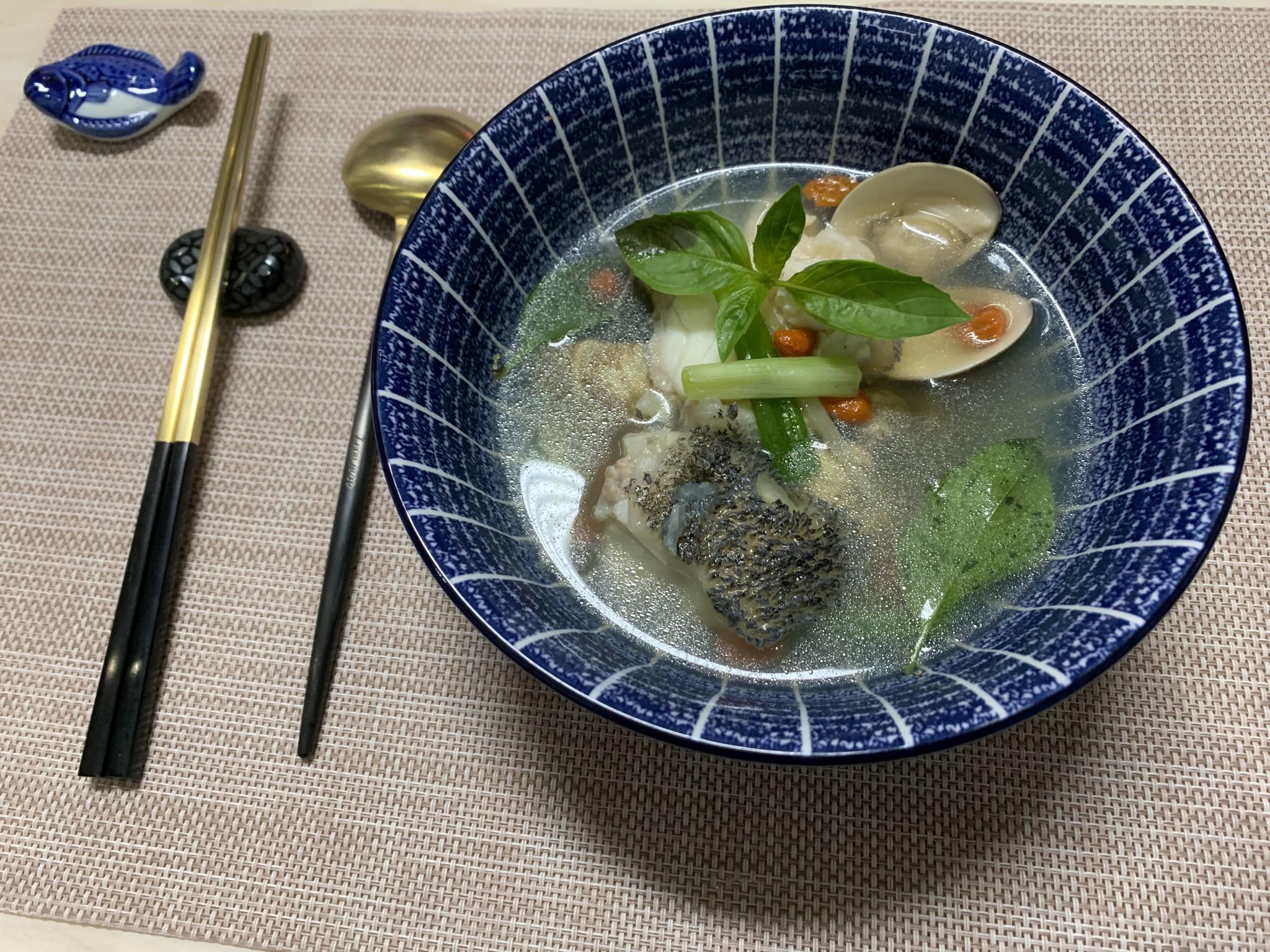 枸杞蛤蜊石斑魚湯
