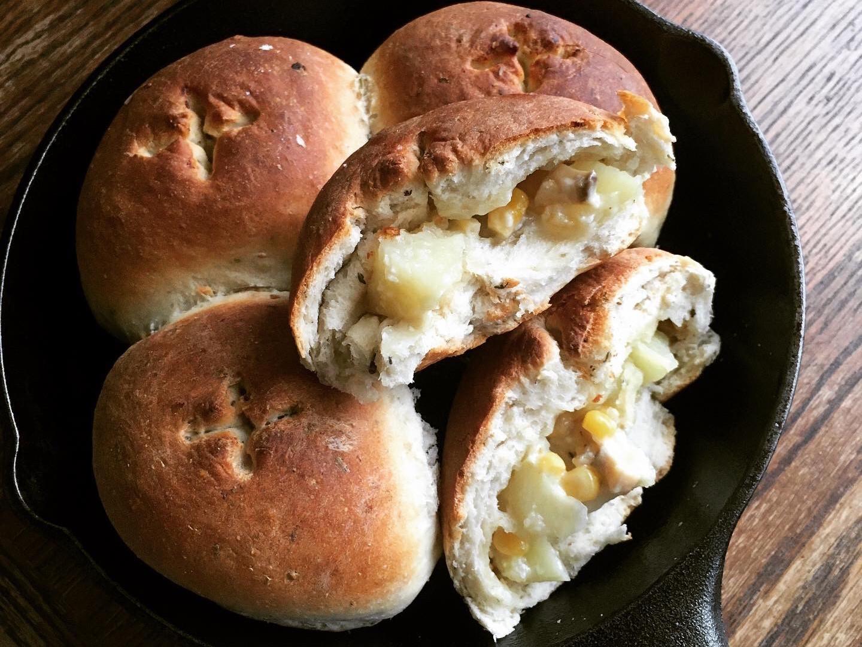 蒜泥蛋黃醬馬鈴薯香草麵包