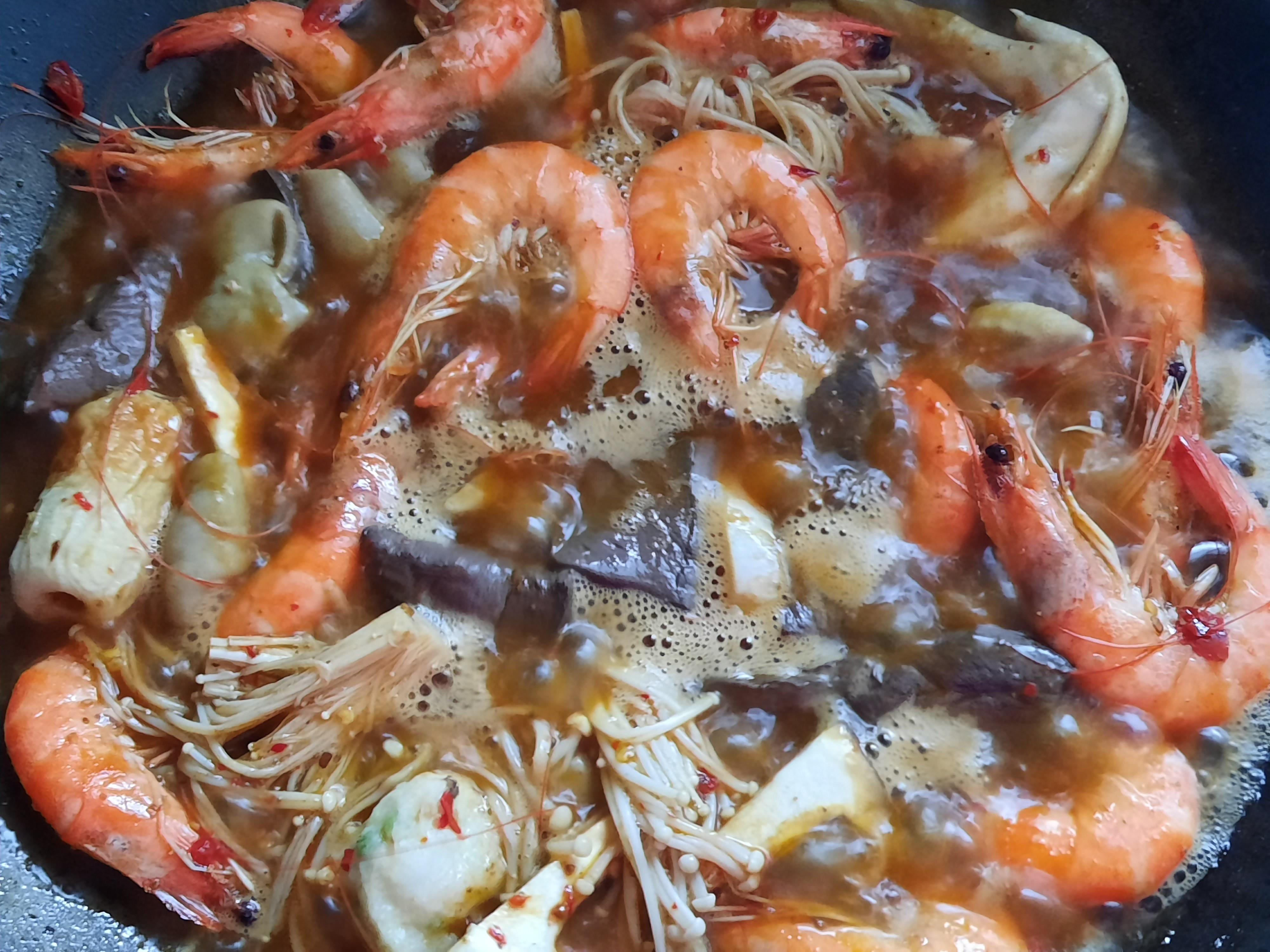 麻辣鴨血白蝦鍋
