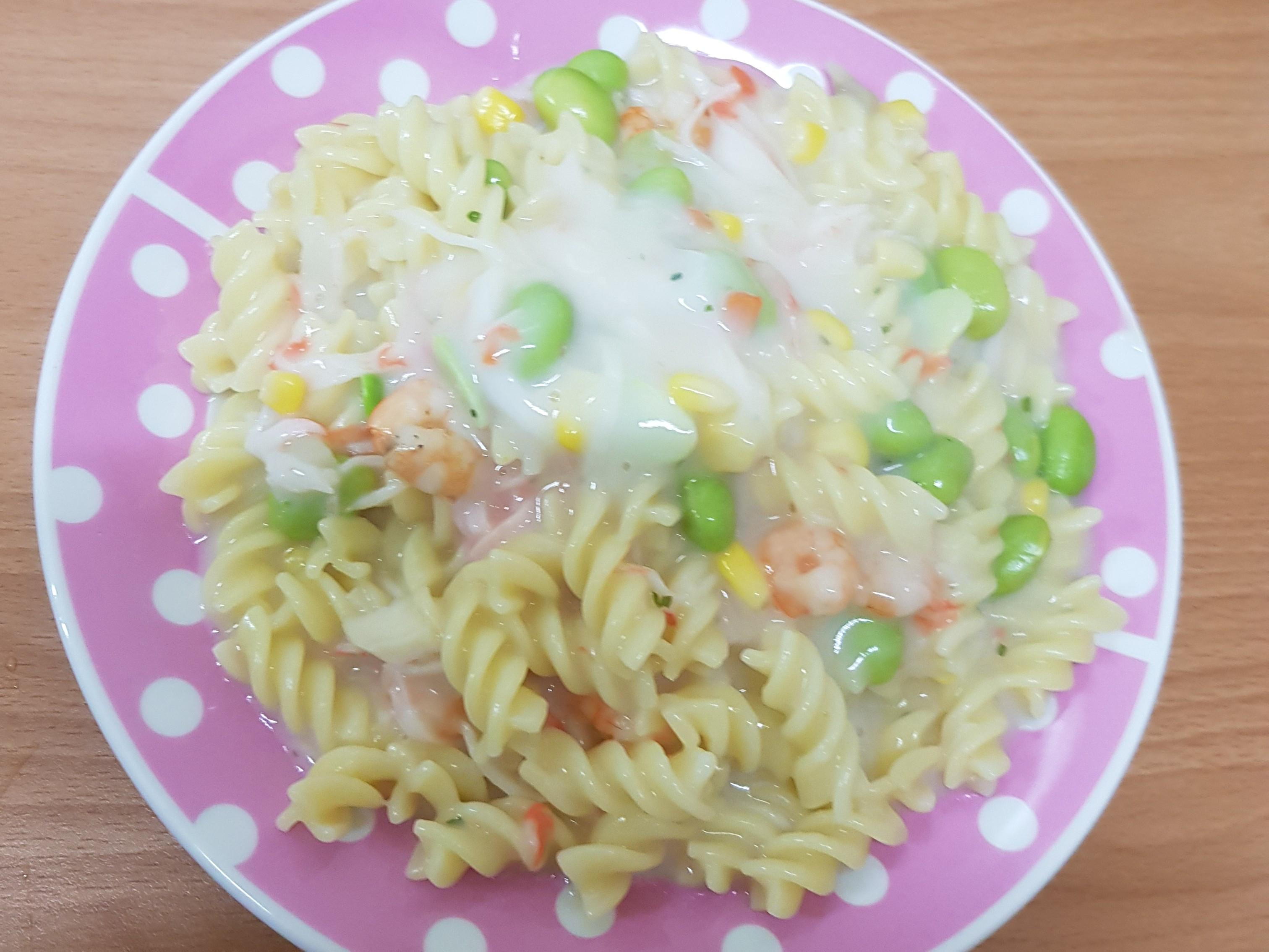 親子手作:白醬海鮮義大利麵