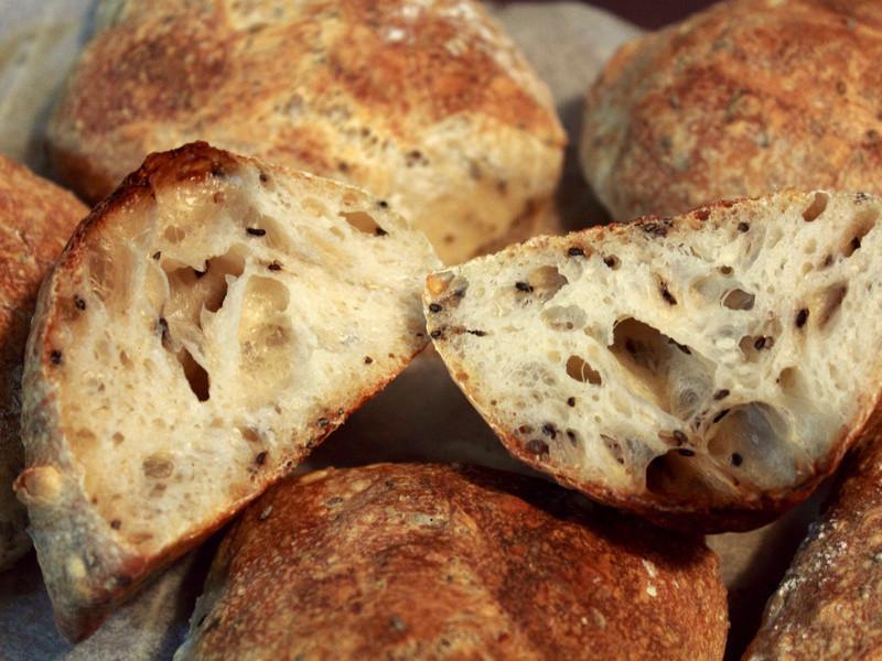 芝麻麵包Rustic