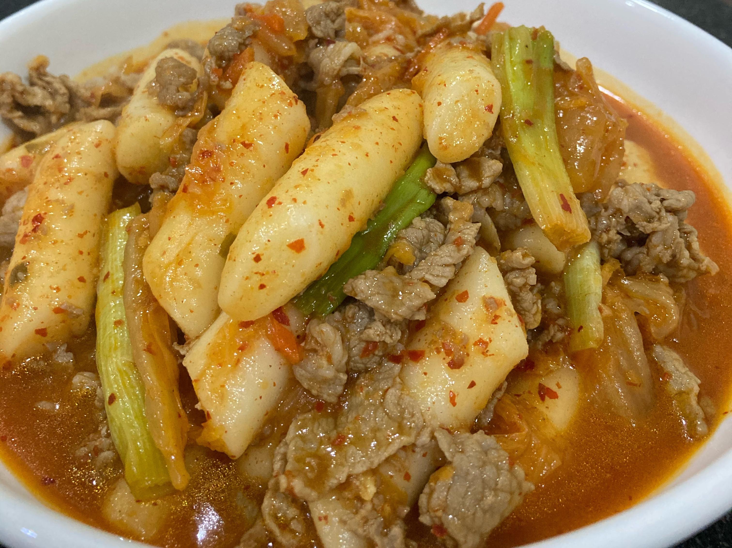 泡菜炒年糕肉片