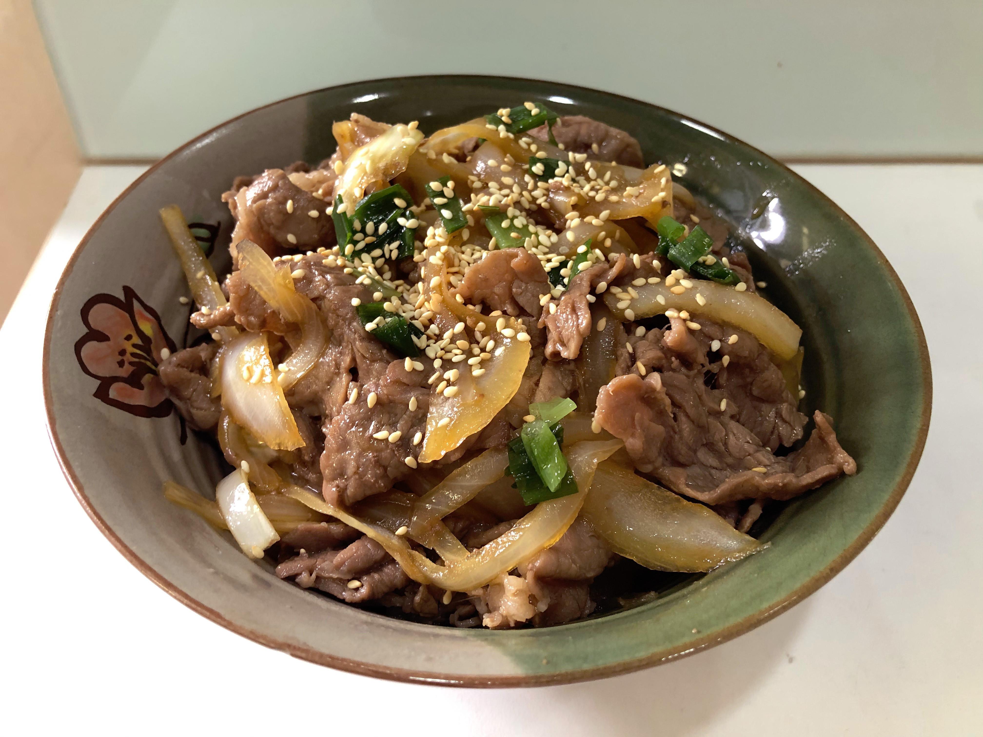重量級壽喜燒牛丼飯