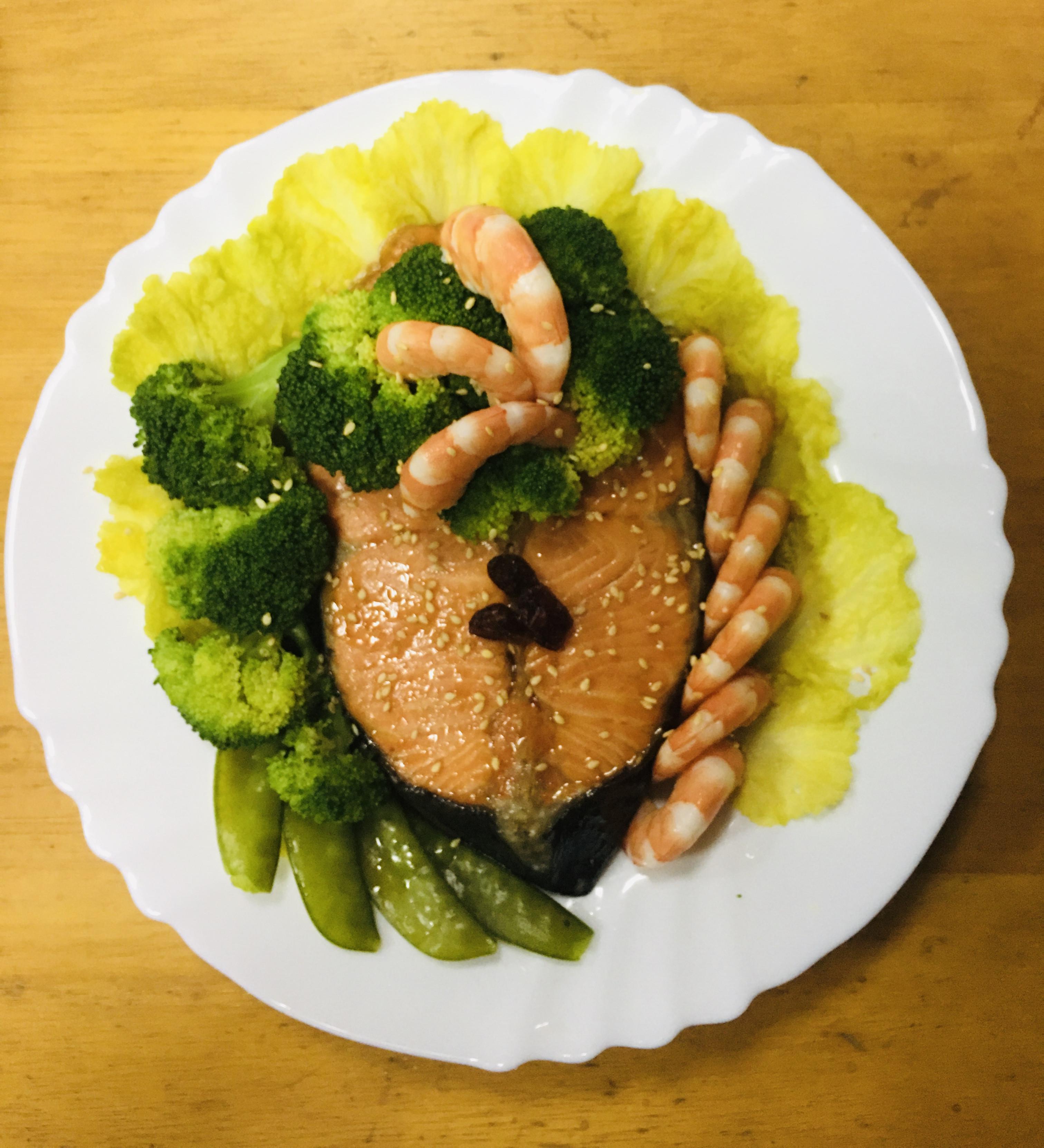燒烤鮭魚佐時蔬
