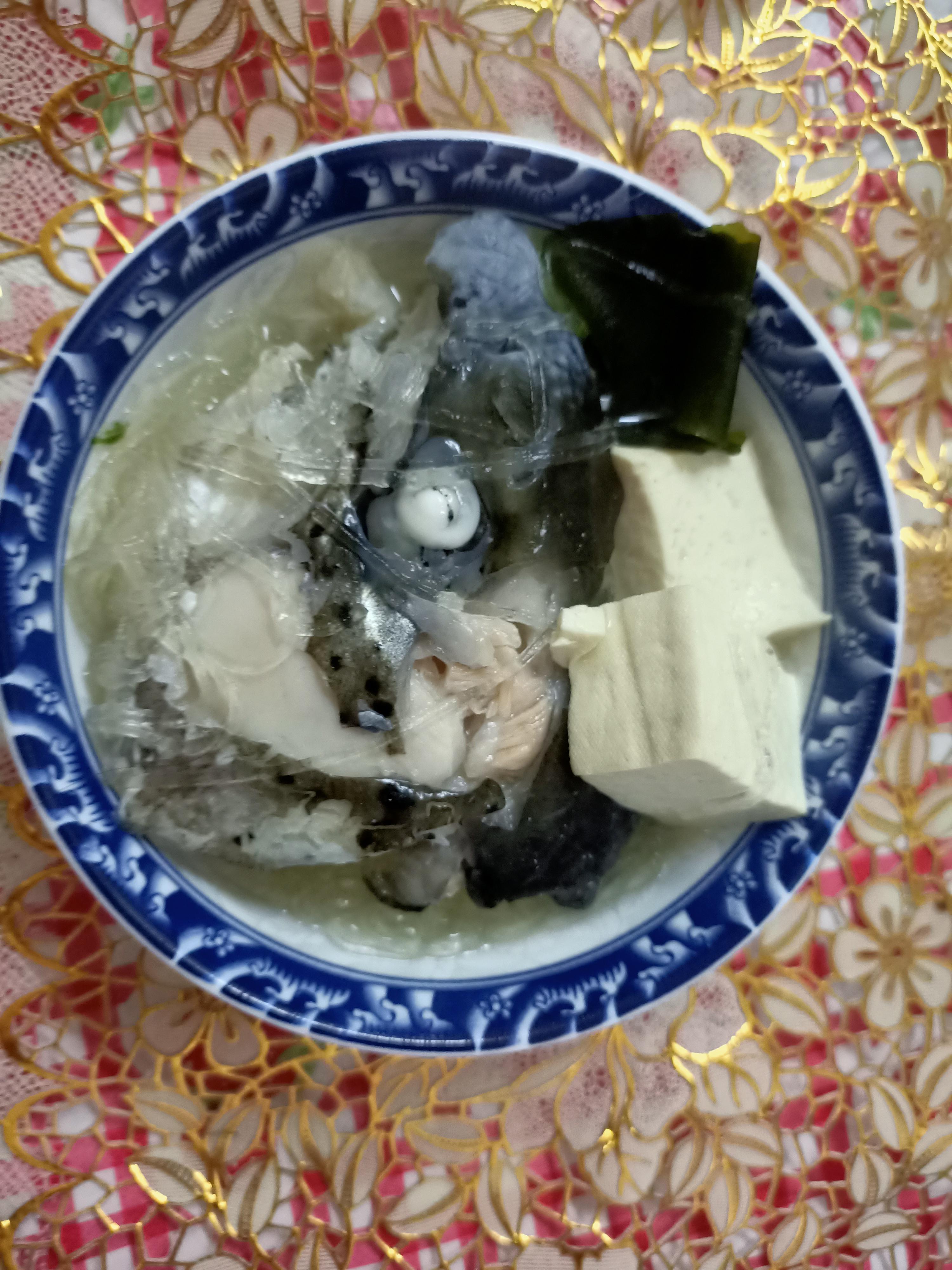 味噌鮭魚海帶豆腐冬粉湯