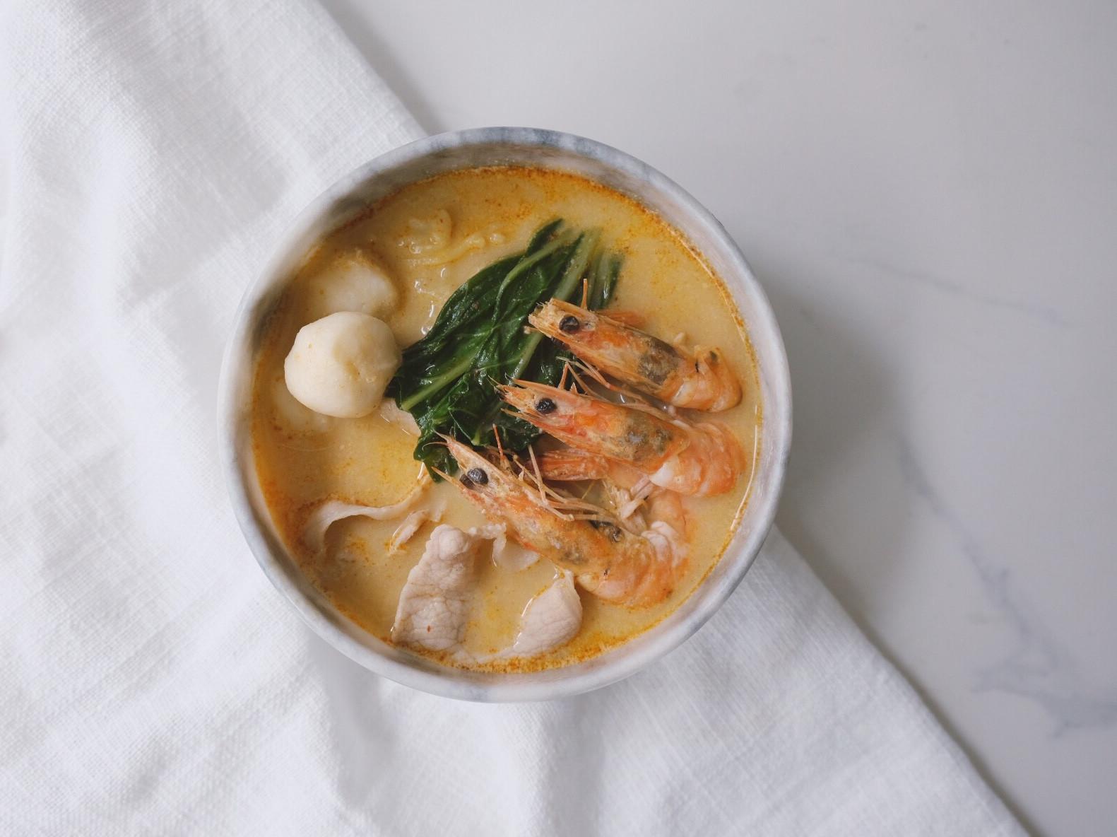 泰式酸辣海鮮麵