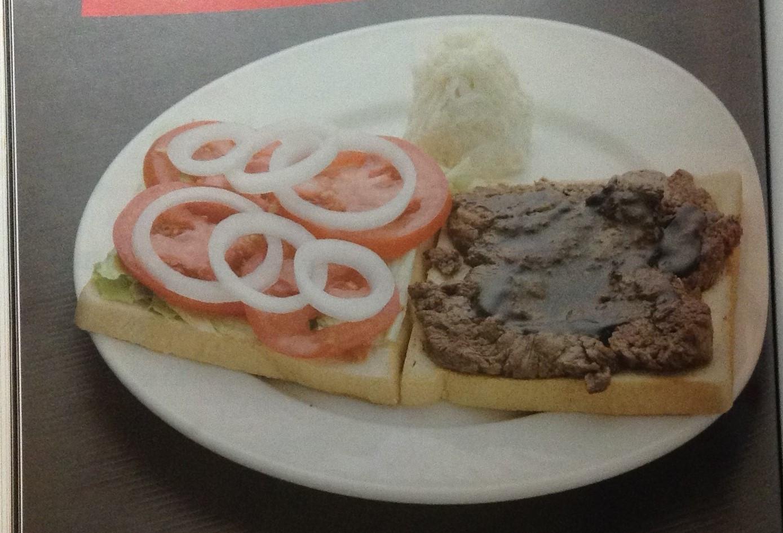 #薄片牛排三明治附高麗菜沙拉