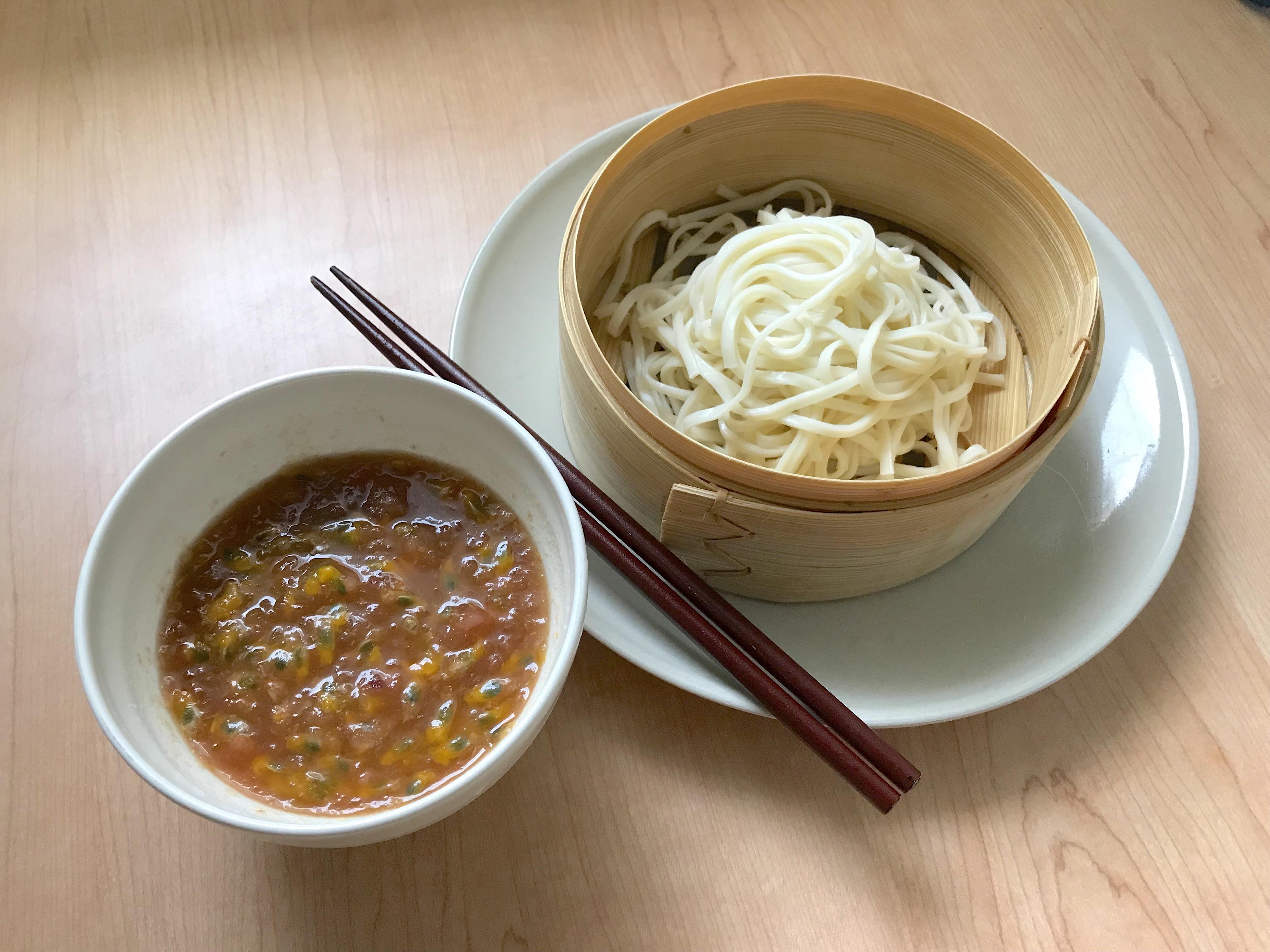 百香果皮醬汁冷麵