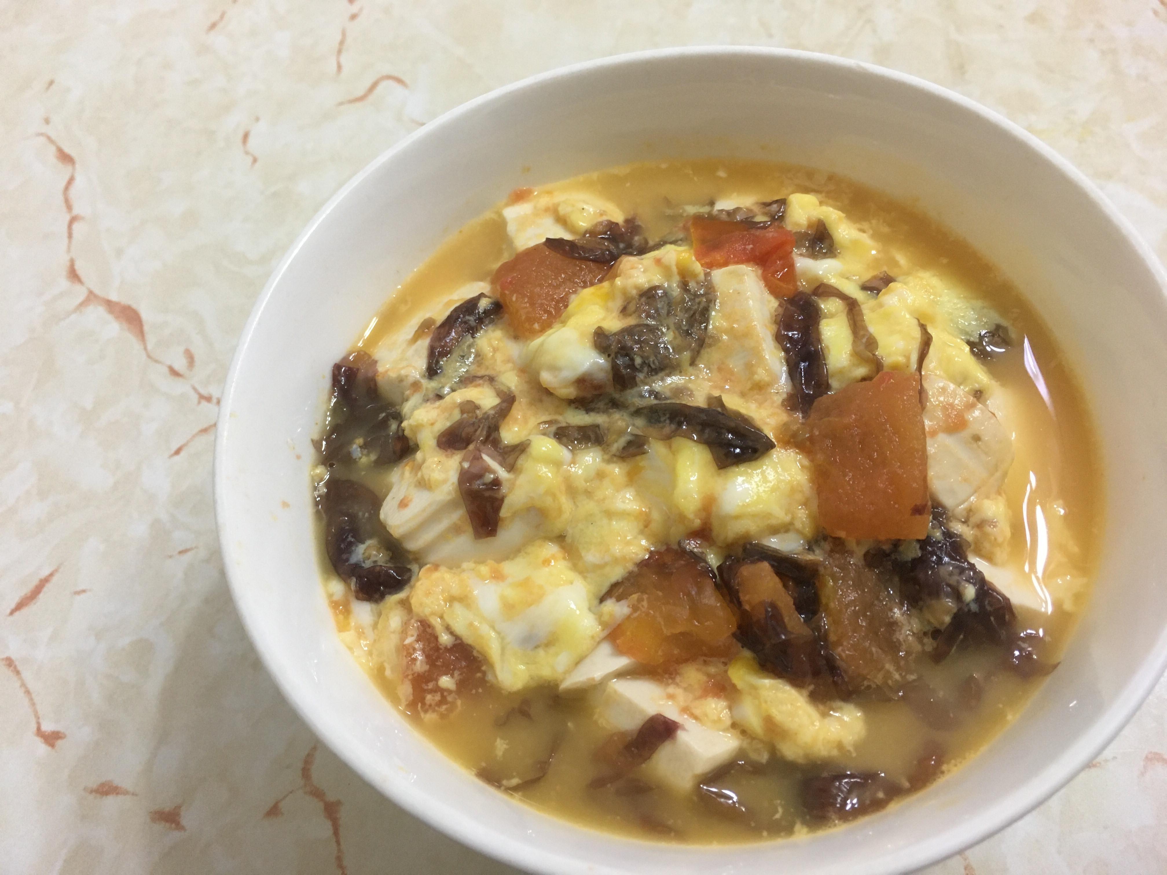 番茄豆腐紫菜蛋花湯