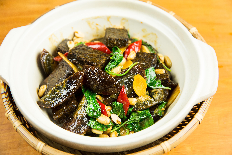 塔香皮蛋豬血糕干鍋-豆油伯金美好醬油