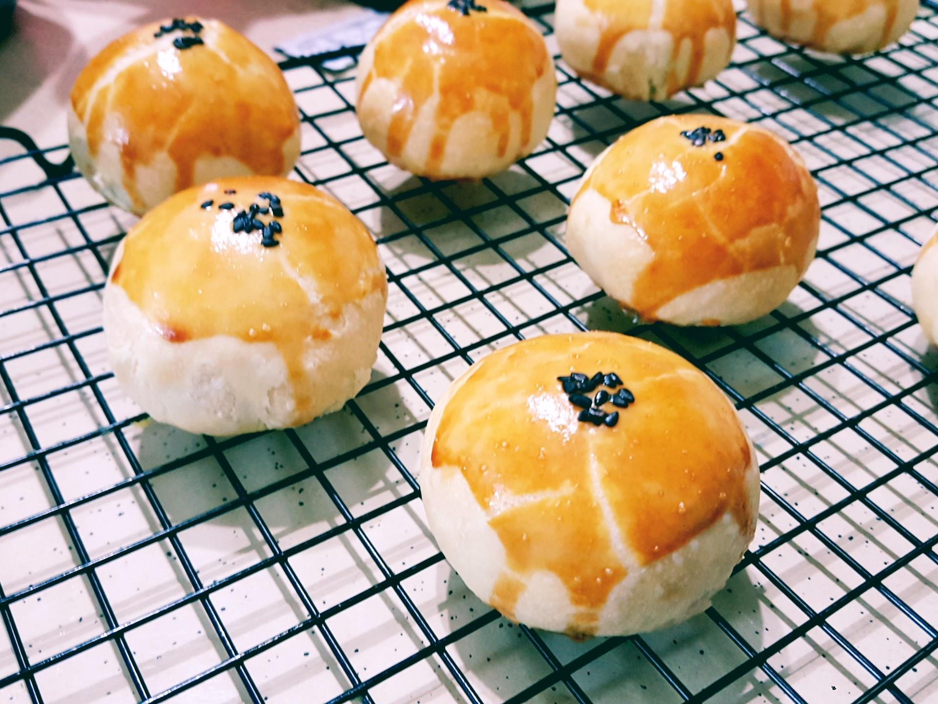 """自製""""鹹雞蛋""""蛋黃酥(10顆)"""