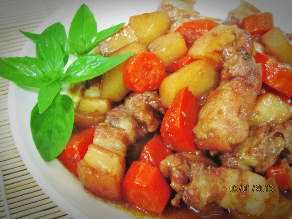 紅白蘿蔔燒五花肉