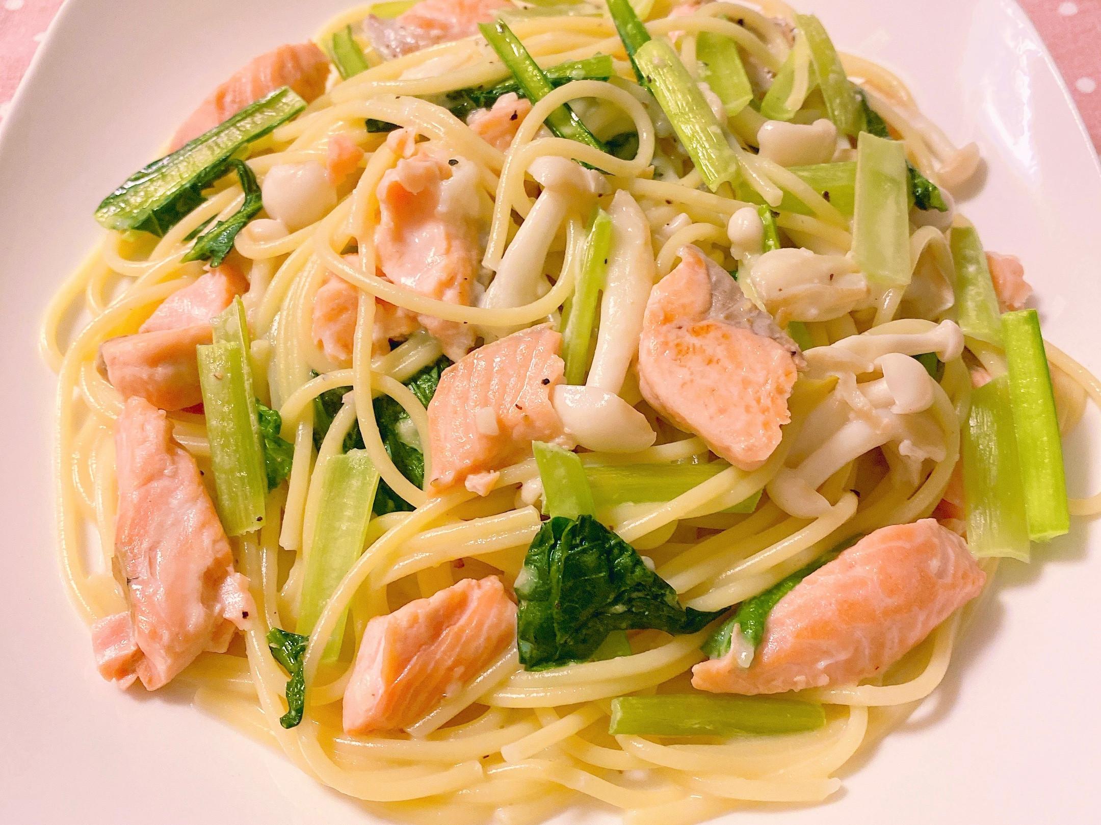 鮭魚白醬義大利麵