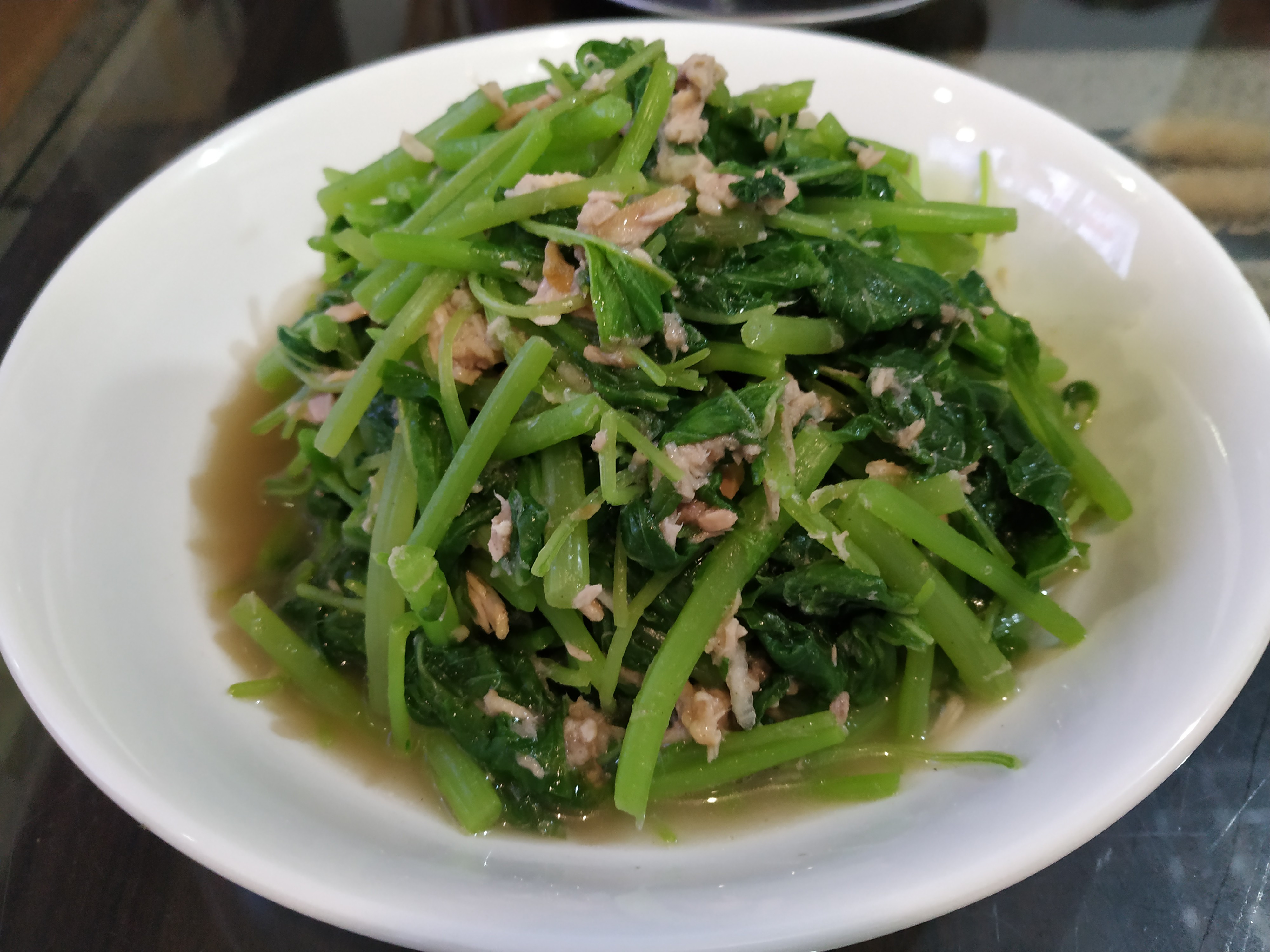鮪魚拌莧菜