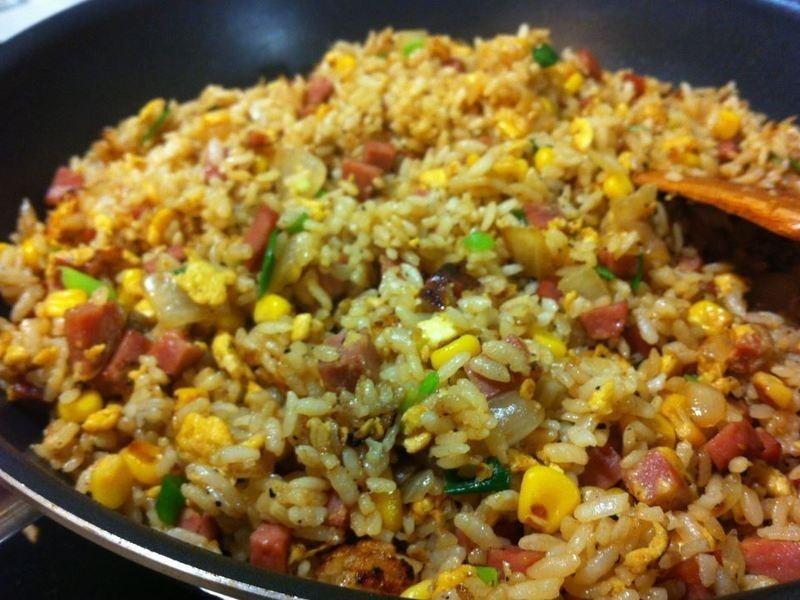 火腿玉米蛋炒飯