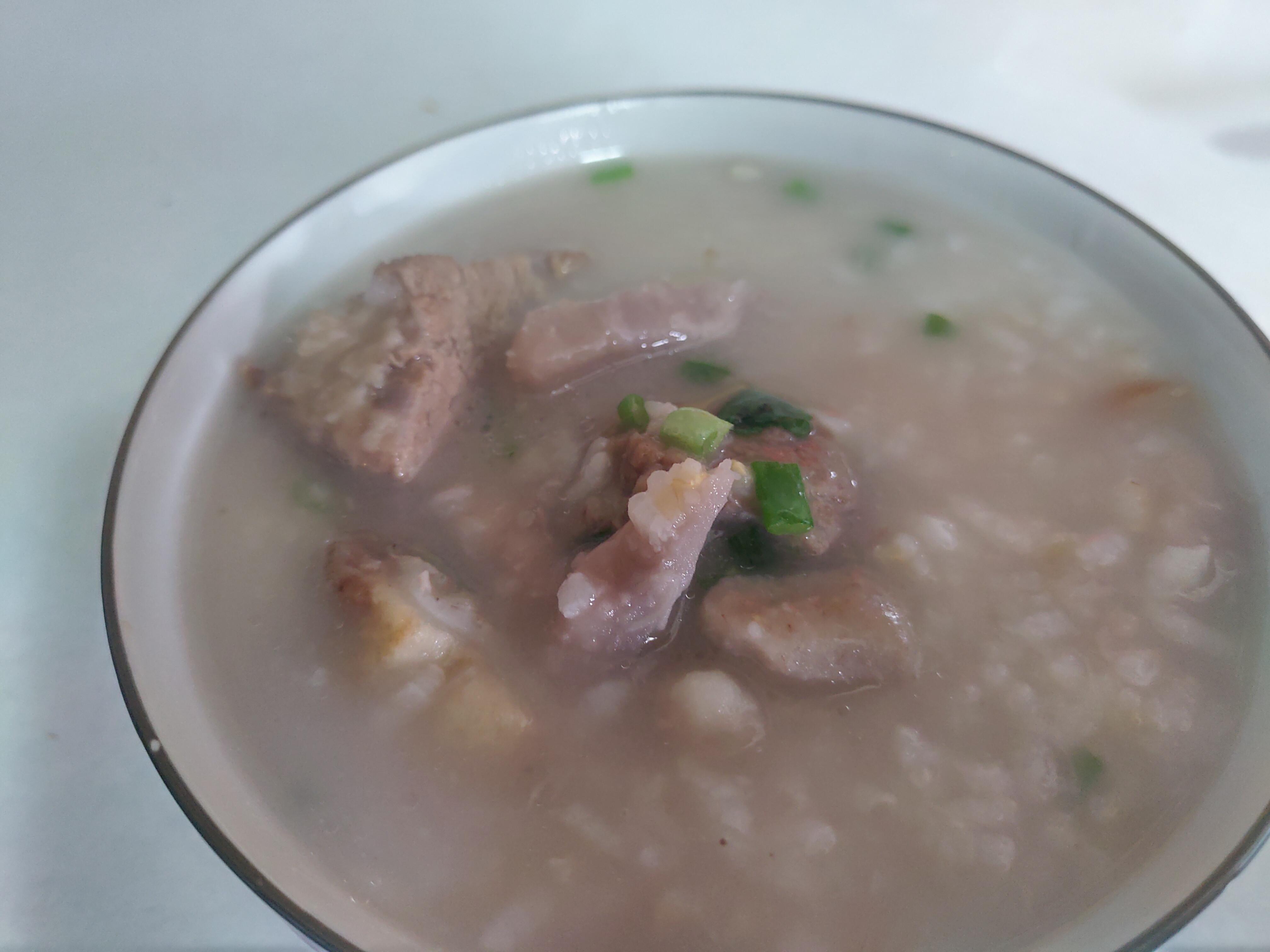 芋頭排骨糙米粥