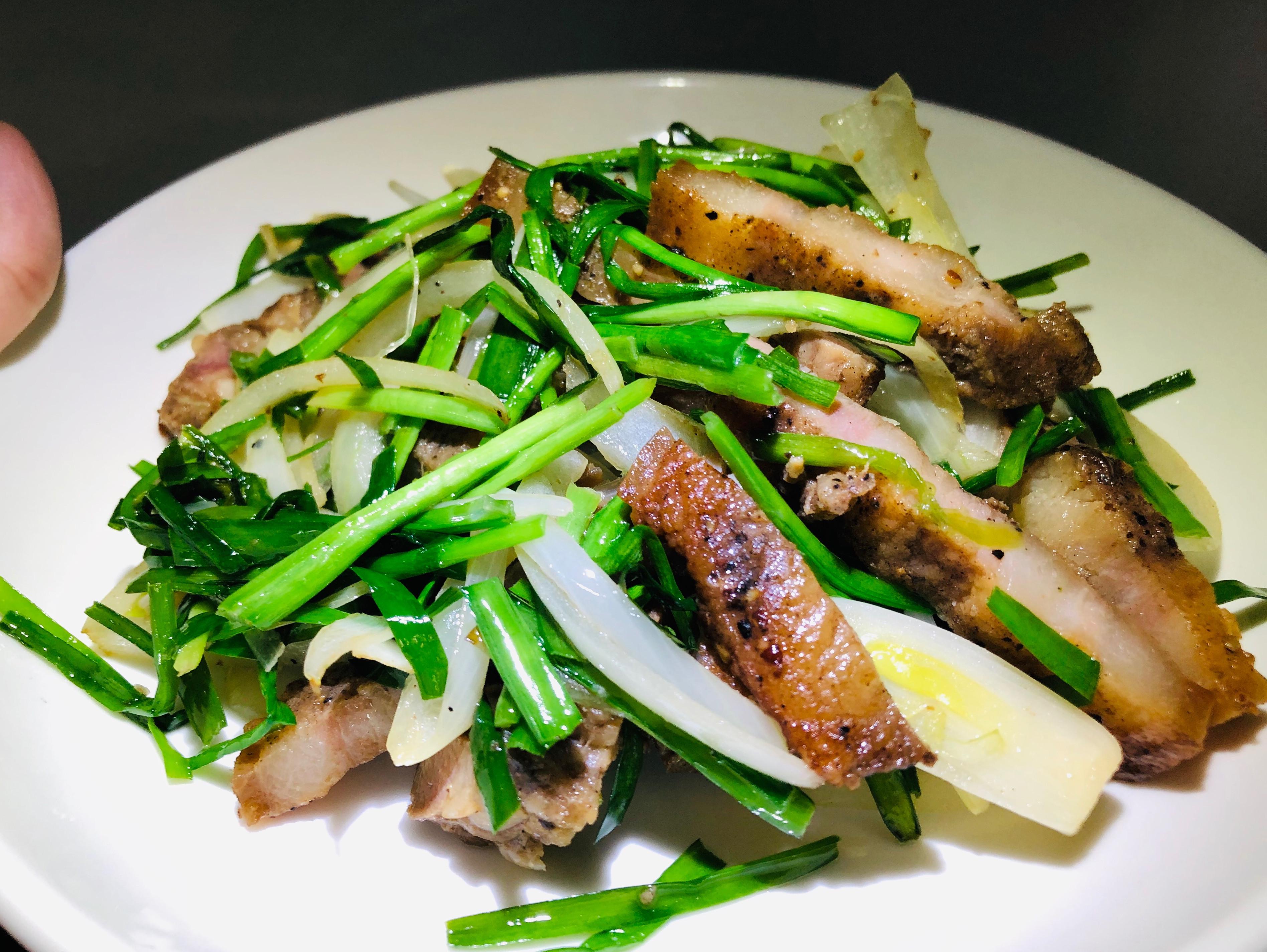 韭菜炒鹹豬肉