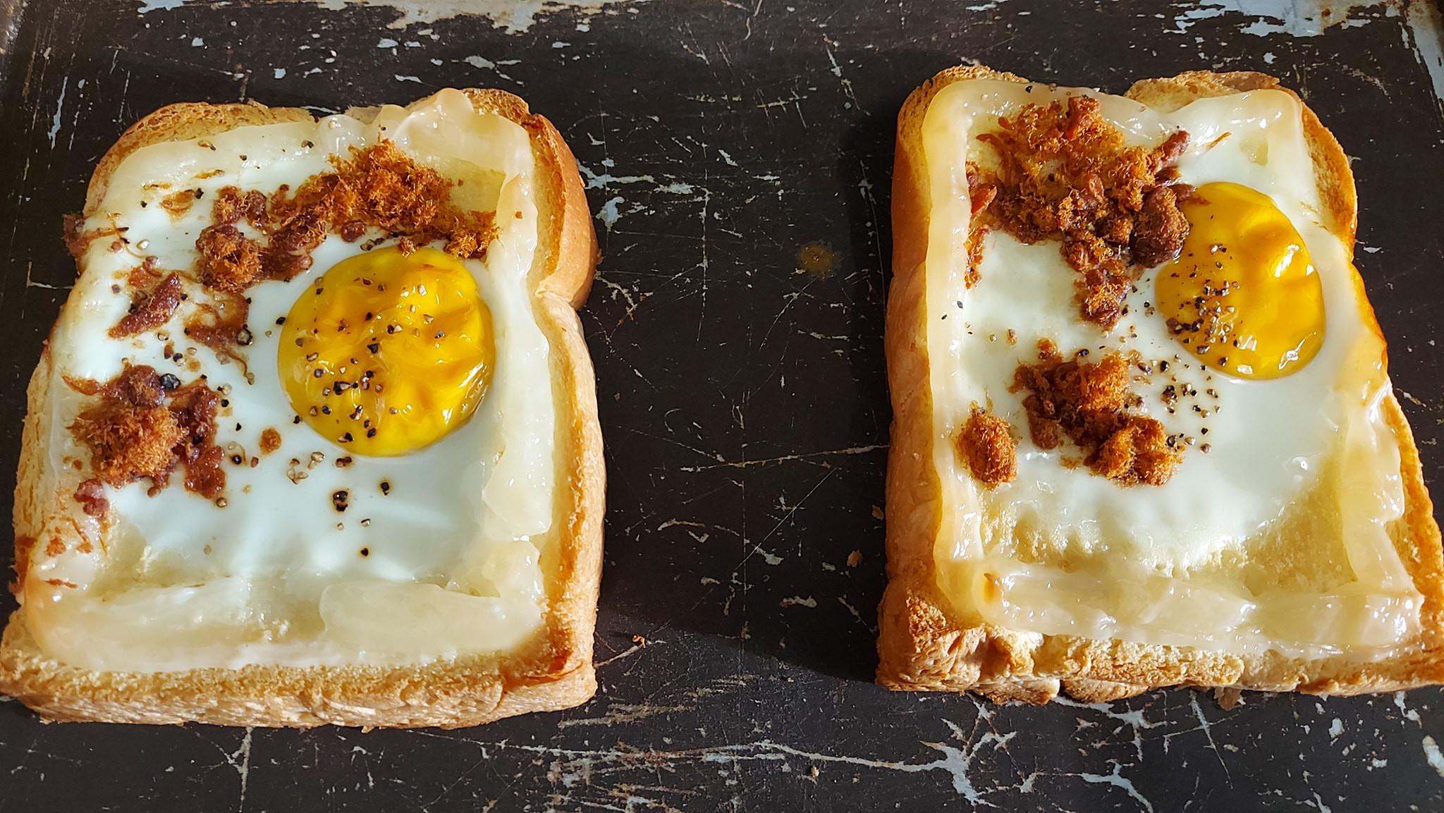 烤蛋肉鬆吐司
