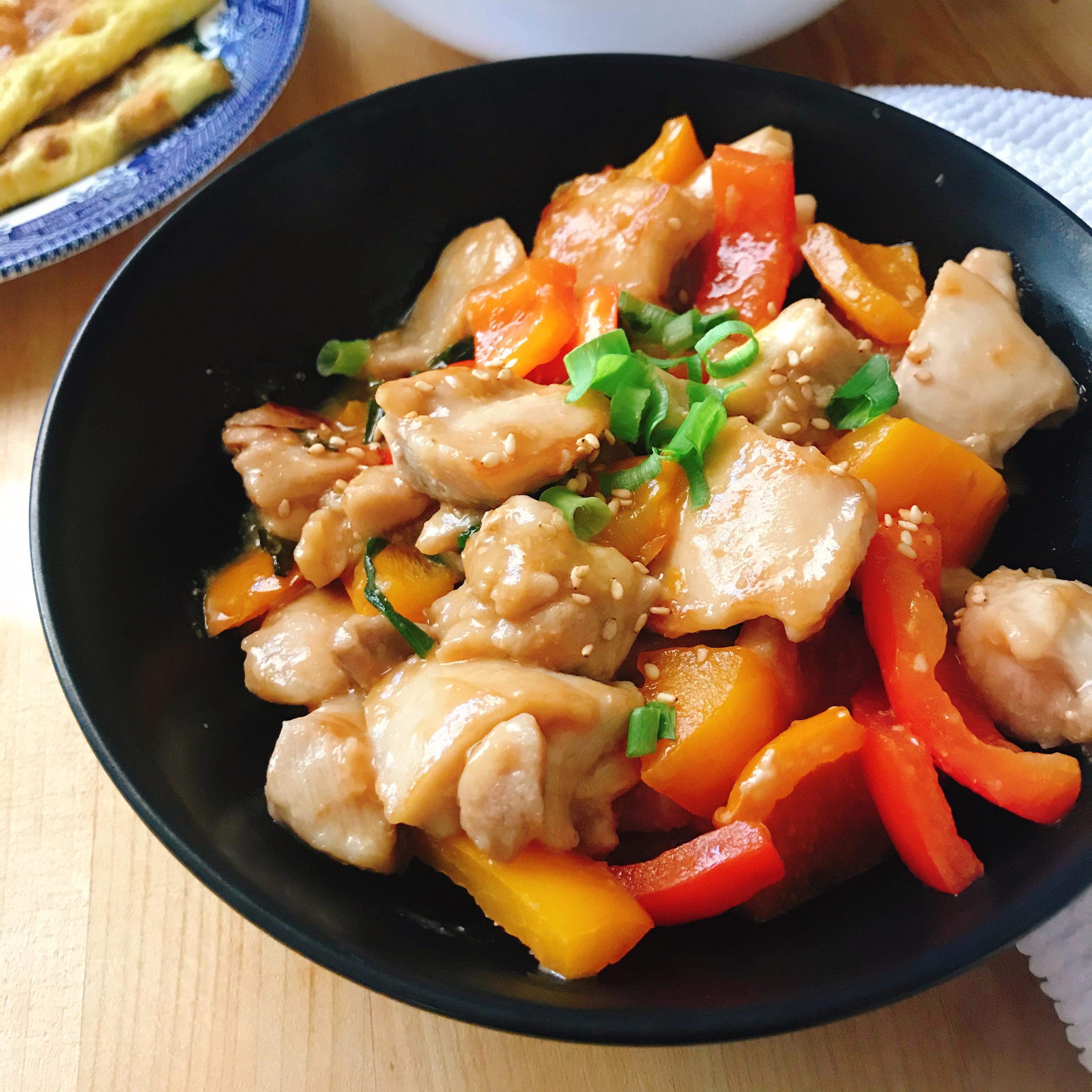 味噌雞肉佐彩色甜椒