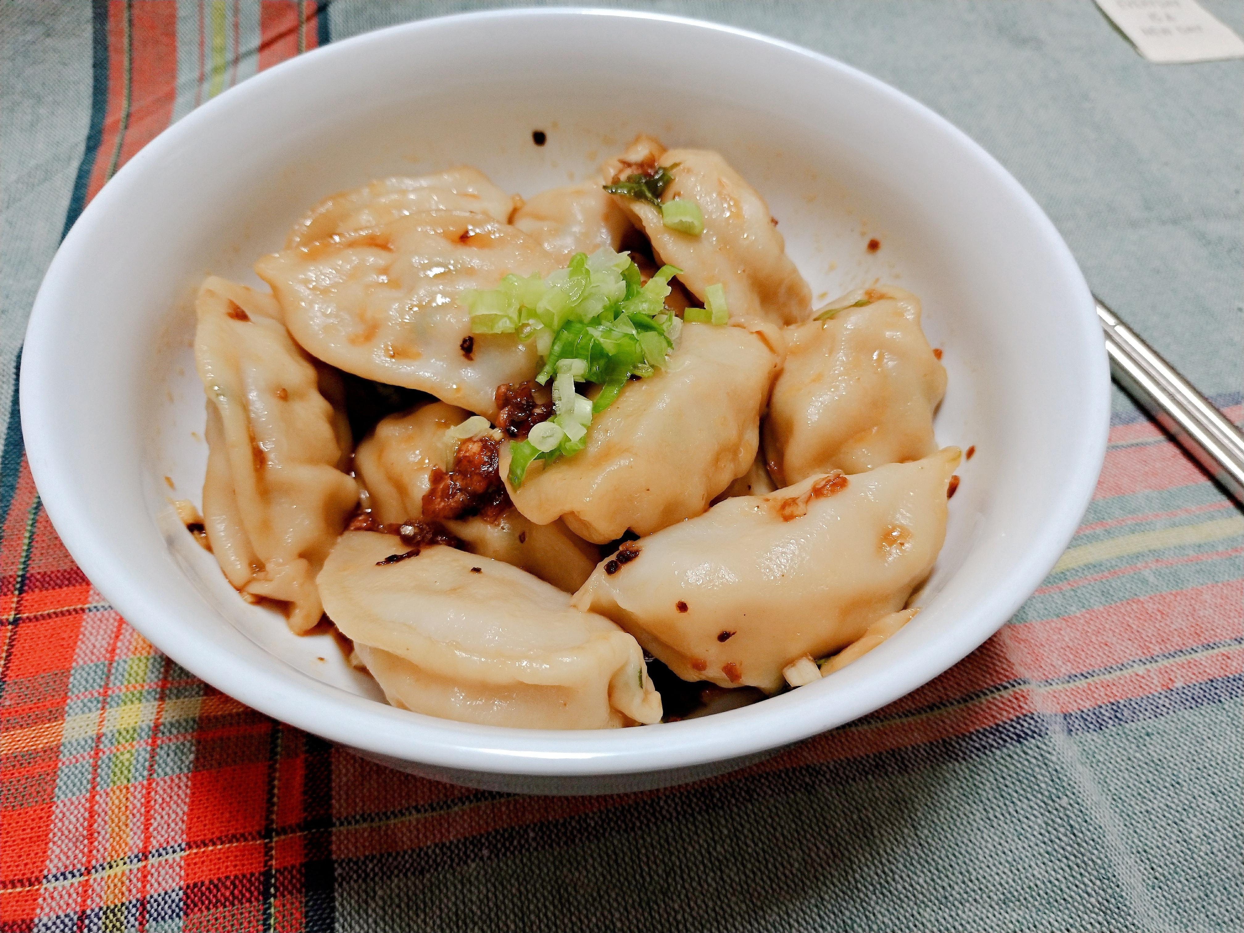 【一個人的廚房】紅油水餃(15分鐘上菜)