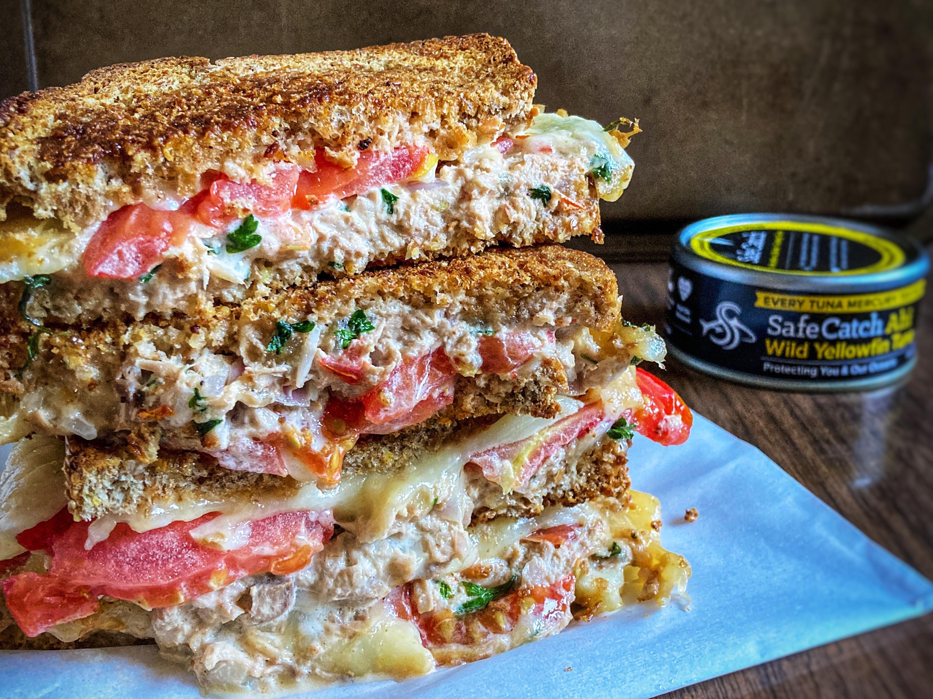 哈瓦那辣椒蛋黃醬鮪魚三明治