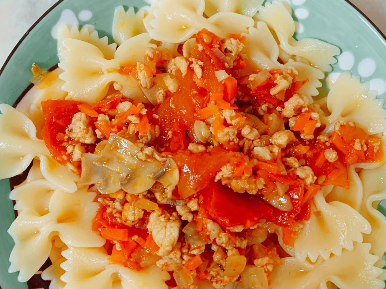 媽媽版的蕃茄肉醬義大利麵