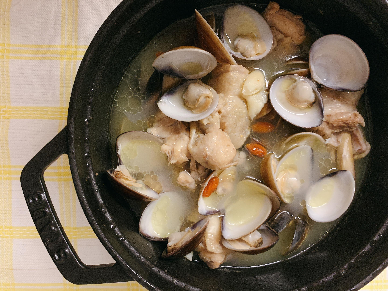 蒜頭蛤蠣雞湯