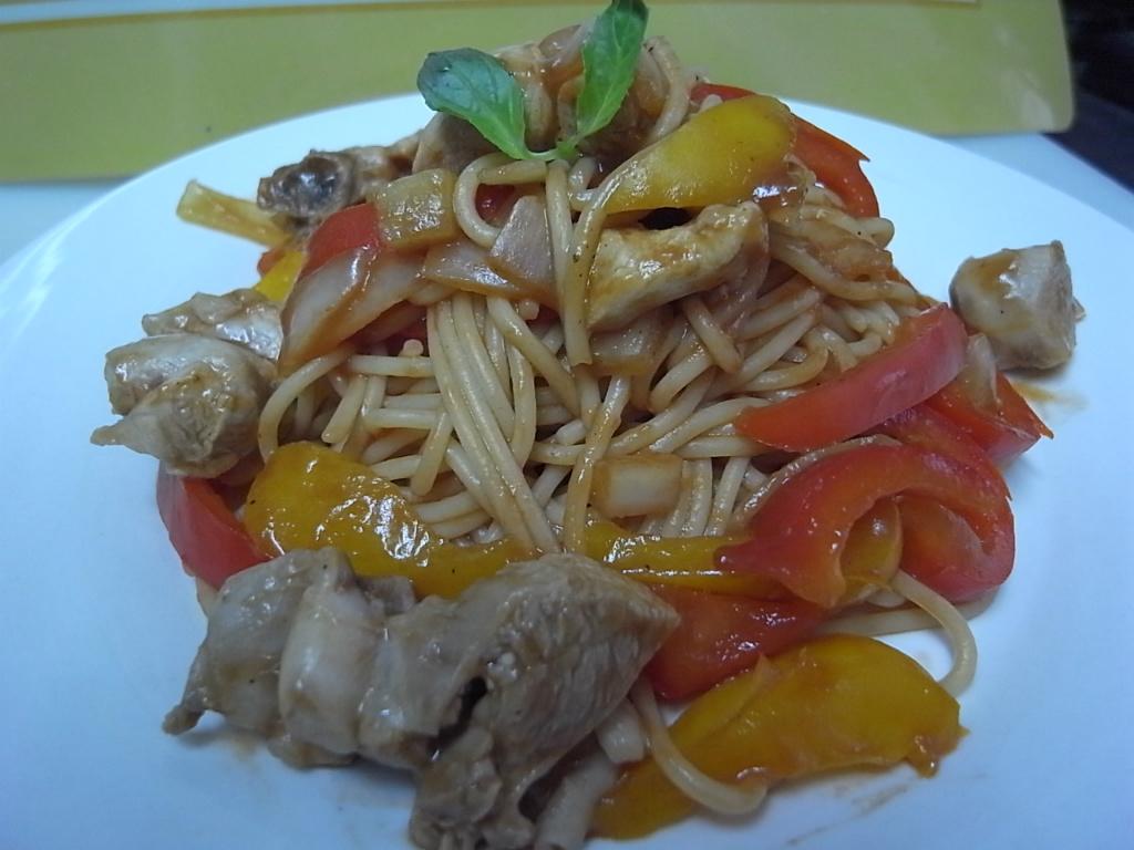 「梅狀元陳醋老梅膏」梅香茄醬雞肉義大利麵