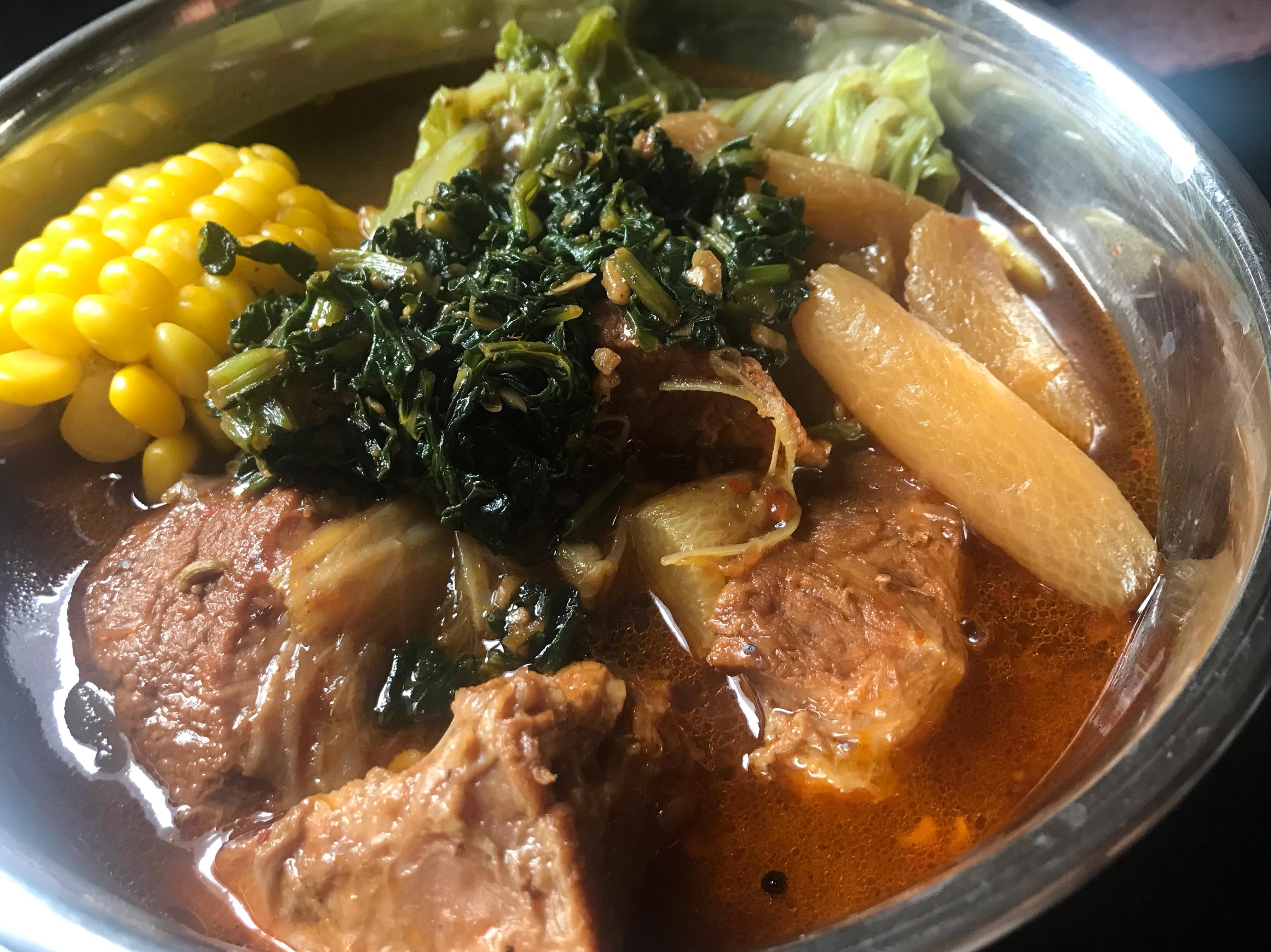 用麻辣鍋底作川味牛肉麵