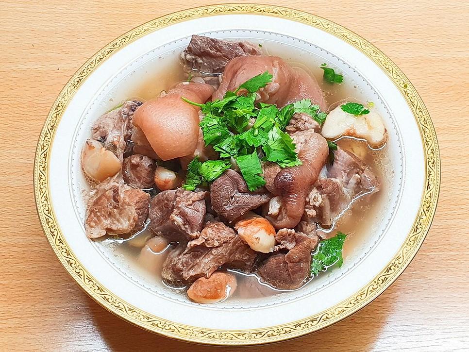 菱角豬腳湯