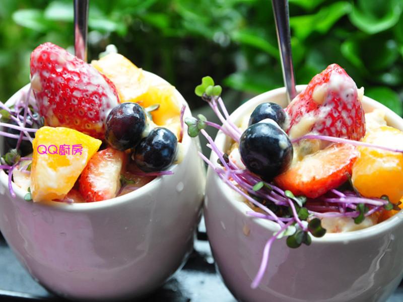 【草莓就愛鷹牌煉奶】百果鮮蝦沙拉