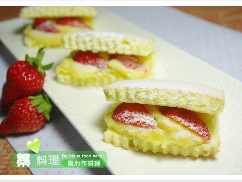 《草莓就愛鷹牌煉奶》草莓克林姆夾