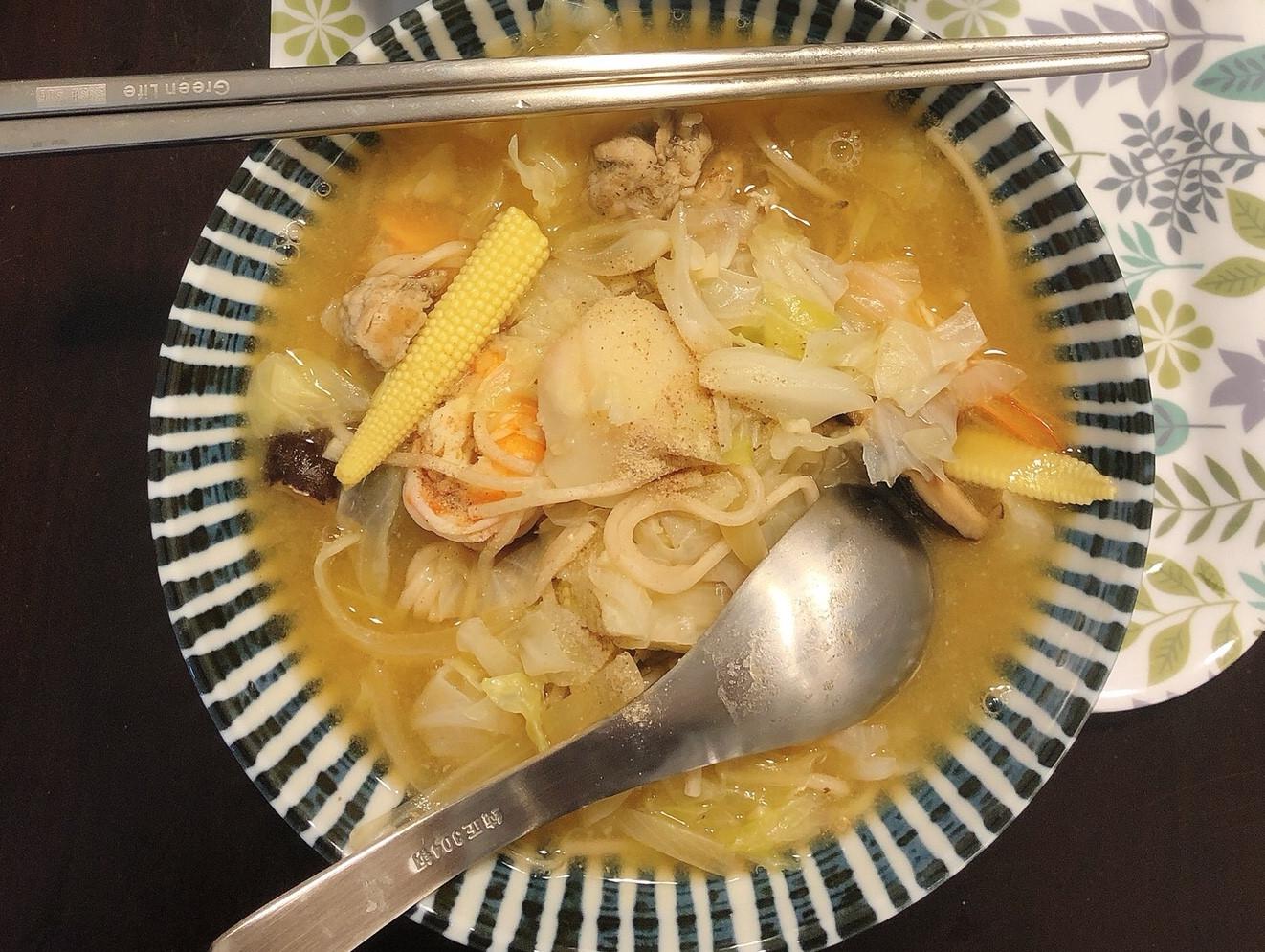 鮮蝦干貝湯麵