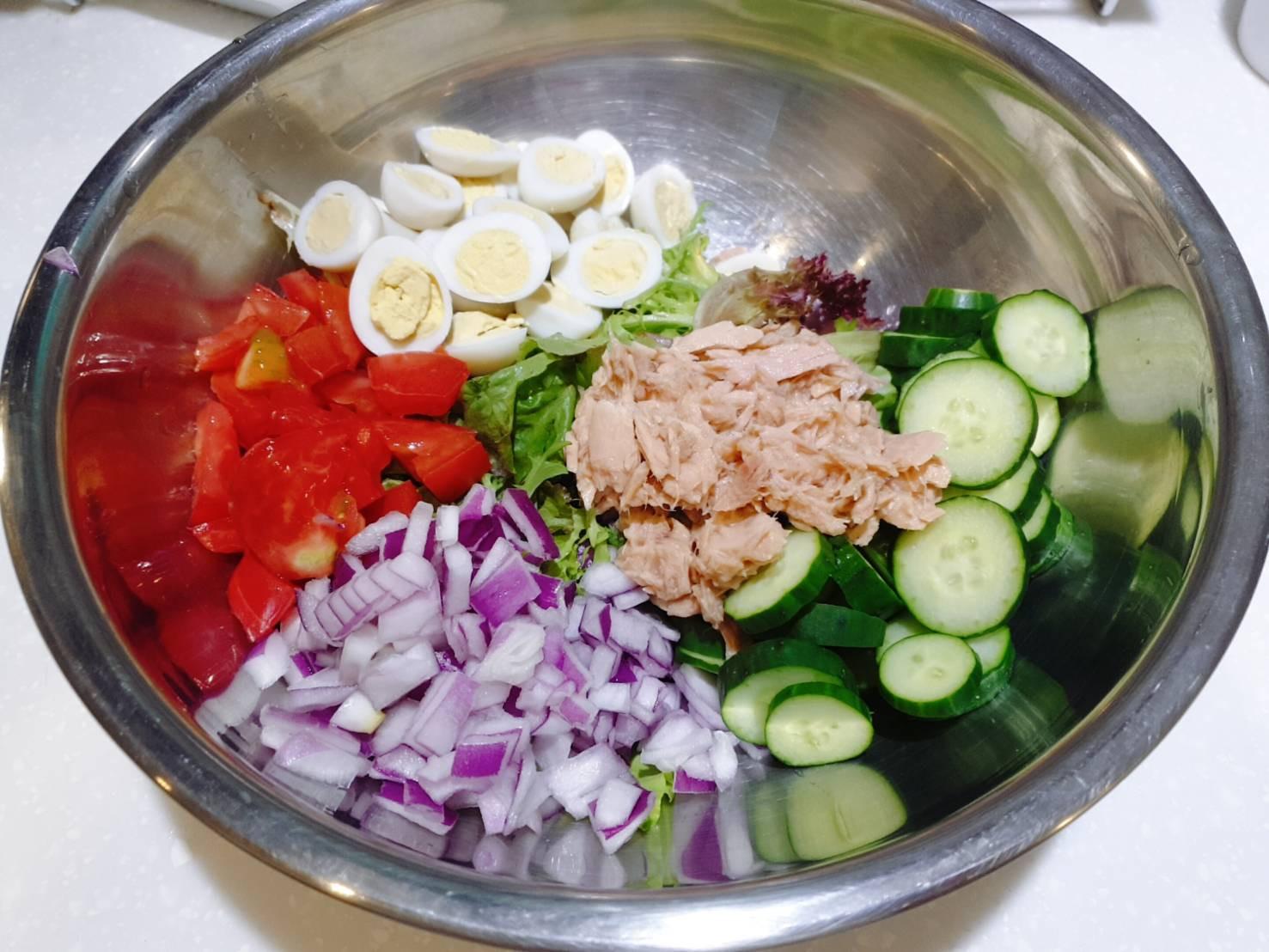 低醣料理   鮪魚蛋沙拉佐橄欖油醋醬汁