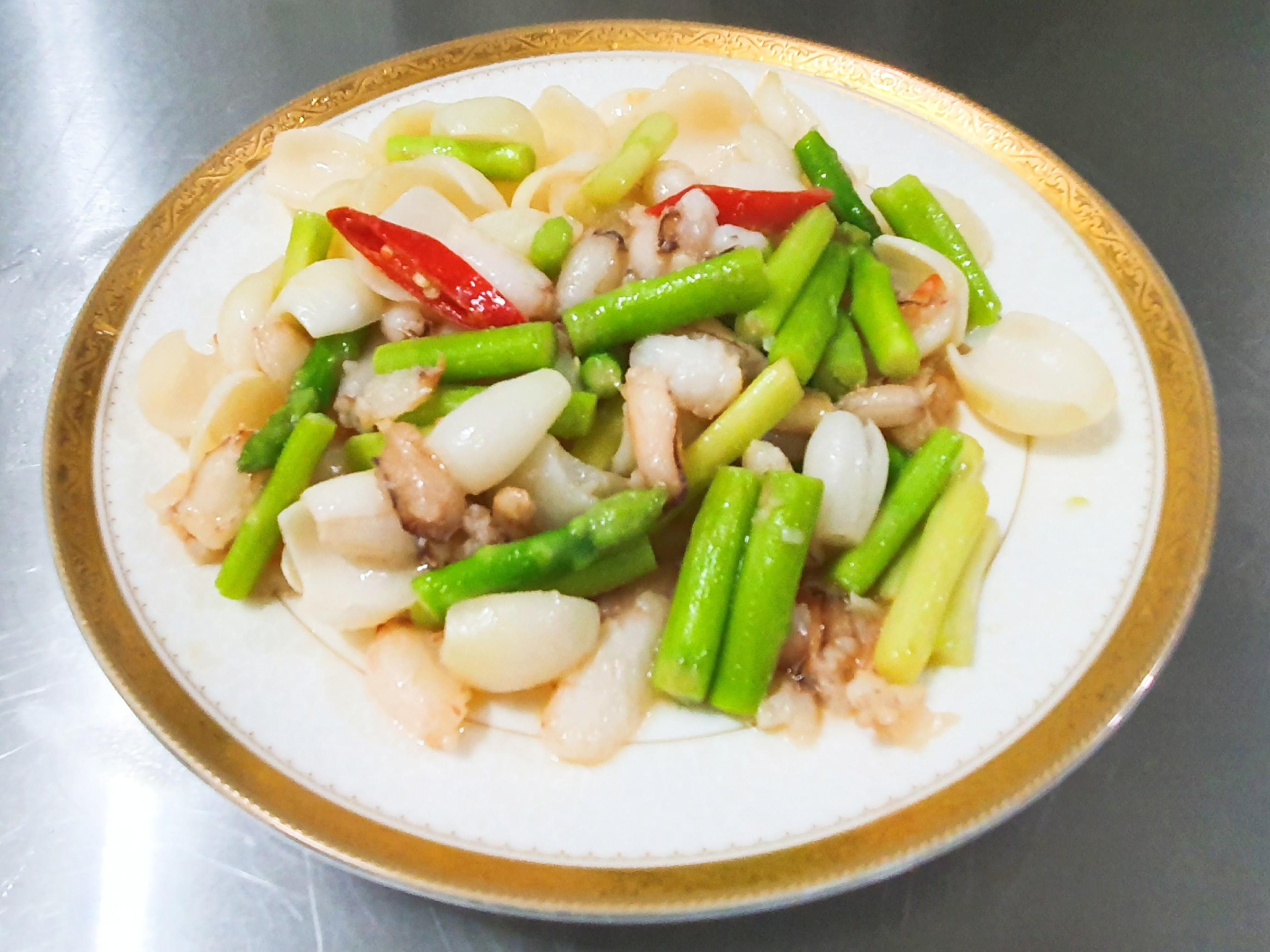 蘆筍百合炒蟹管肉